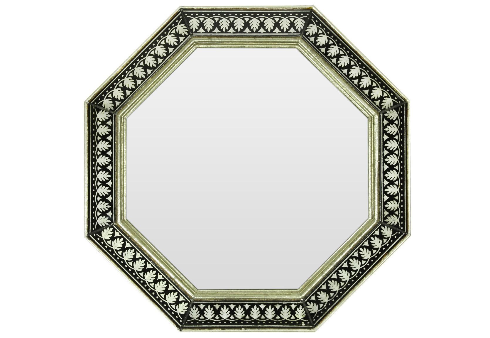 Зеркало ручной работы Наследие орнаментовНастенные зеркала<br>Когда художник находится в процессе творчества, его могут вдохновить совершенно неожиданные вещи. Например, старинные книги по архитектуре, на страницах которых создатель зеркала нашел удивительный флористический орнамент. Особенно роскошно этот рисунок смотрится в приятном оттенке шампань, исполненном на темной раме из натурального дерева.&amp;amp;nbsp;&amp;lt;div&amp;gt;&amp;lt;br&amp;gt;&amp;lt;/div&amp;gt;&amp;lt;div&amp;gt;Материалы: основа - массив дерева; рама - классическое стекло с нанесенным поталью орнаментом; зеркальное полотно - классическое зеркало серебряной амальгамы.&amp;lt;/div&amp;gt;<br><br>Material: Дерево<br>Ширина см: 60.0<br>Высота см: 60.0<br>Глубина см: 4.0