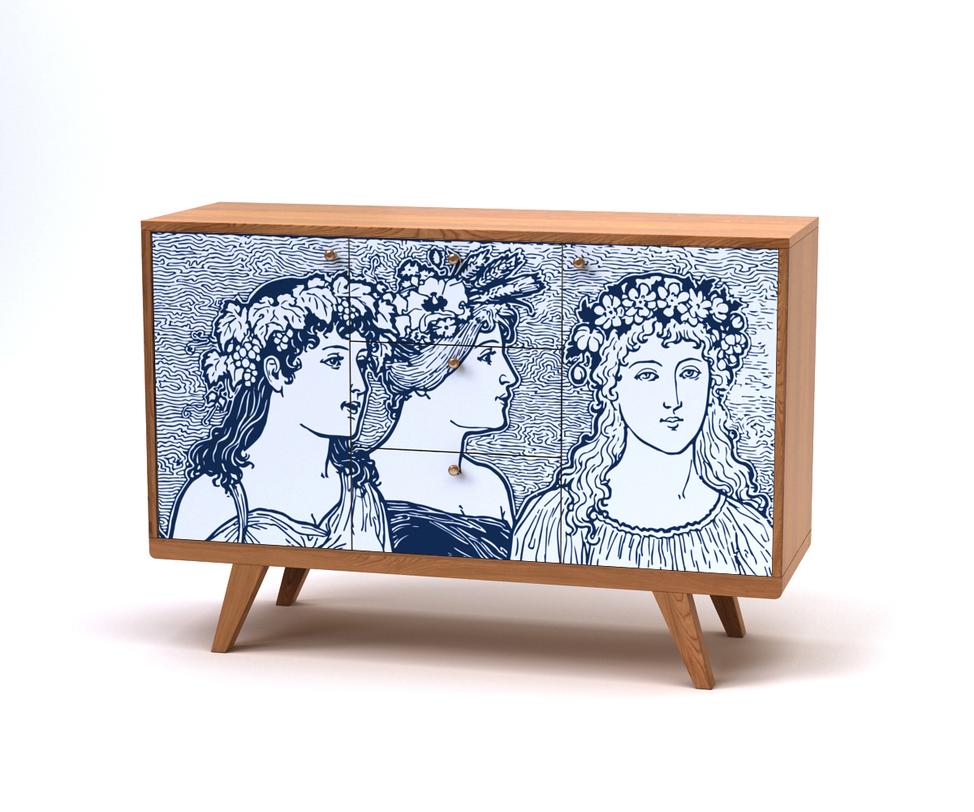 Комод ThimonИнтерьерные комоды<br>Необычный комод Thimon в прямом смысле имеет лицо — древнегреческих красавиц в цветочных венках. Изображение, стилизованное под гравюру, нанесено методом УФ печати. Каркас комода выполнен из дерева натурального светлого оттенка.<br>Срок изготовления 15 рабочих дней.&amp;lt;div&amp;gt;Светлый дуб/принт 016&amp;lt;br&amp;gt;&amp;lt;/div&amp;gt;<br><br>Material: Дерево<br>Length см: None<br>Width см: 120<br>Depth см: 40<br>Height см: 82<br>Diameter см: None