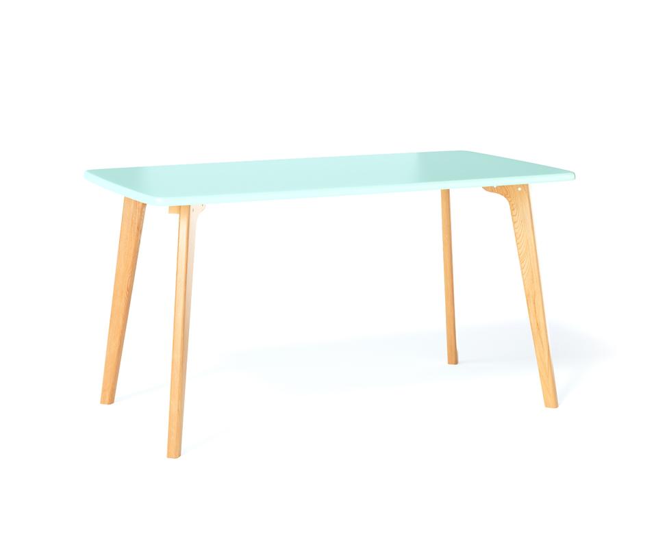 Обеденный стол SANGOОбеденные столы<br>Обеденный стол SANGO объединяет в себе простоту, комфорт и индивидуальность. Прочное основание, большая поверхность и почти классическая прямоугольная форма столешницы позволяют использовать стол SANGO в любом интерьере.<br><br>Material: Дерево<br>Length см: 135<br>Width см: 80<br>Depth см: None<br>Height см: 75<br>Diameter см: None