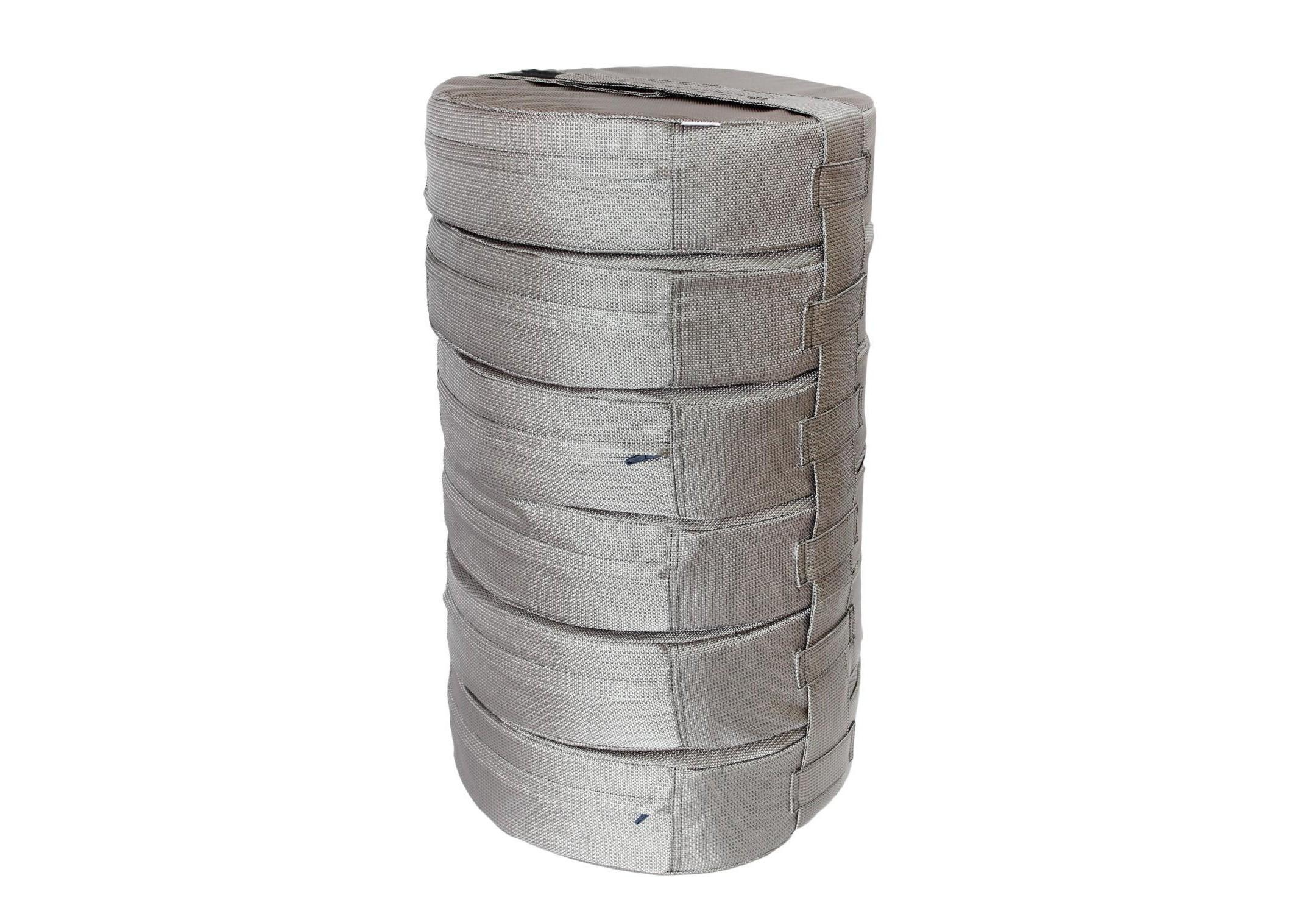Подушка на пол Silver (6шт)Форменные пуфы<br>Мягкие и очень удобные подушки на пол из водооталкивающей ткани с наполнителем из поролона станут функциональным предметом для комфортного отдыха. Контраст вставки с основным цветом изделия добавит изюминку в ваше пространство! Подушка сшита из очень плотной ткани с водооталкивающей пропиткой с внешней стороны, поэтому идеально подойдет для уличного декора. Набор подушек удобно хранить и перевозить в машине, за счет компактной упаковки. При загрязнении ее достаточно протереть влажной салфеткой!&amp;amp;nbsp;&amp;lt;div&amp;gt;&amp;lt;br&amp;gt;&amp;lt;/div&amp;gt;&amp;lt;div&amp;gt;Размер каждой подушки 10х40 см.&amp;amp;nbsp;&amp;lt;/div&amp;gt;<br><br>Material: Текстиль<br>Height см: 60<br>Diameter см: 40