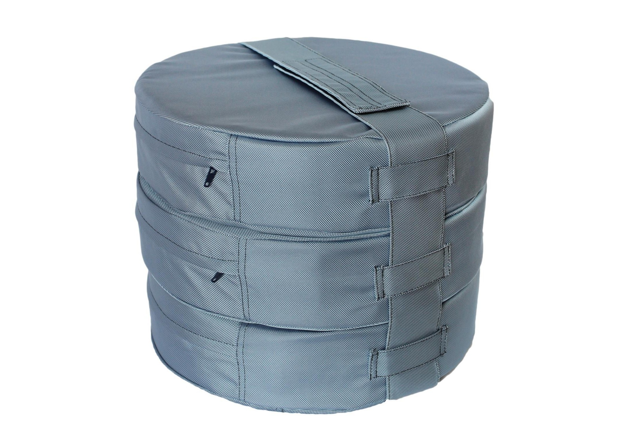 Подушка на пол Sky Blue (3шт)Форменные пуфы<br>Мягкие и очень удобные подушки на пол из водооталкивающей ткани с наполнителем из поролона станут функциональным предметом для комфортного отдыха. Контраст вставки с основным цветом изделия добавит изюминку в ваше пространство! Подушка сшита из очень плотной ткани с водооталкивающей пропиткой с внешней стороны, поэтому идеально подойдет для уличного декора. Набор подушек удобно хранить и перевозить в машине, за счет компактной упаковки. При загрязнении ее достаточно протереть влажной салфеткой!&amp;amp;nbsp;&amp;lt;div&amp;gt;&amp;lt;br&amp;gt;&amp;lt;/div&amp;gt;&amp;lt;div&amp;gt;Размер каждой подушки 10х40 см.&amp;amp;nbsp;&amp;lt;/div&amp;gt;<br><br>Material: Текстиль<br>Height см: 30<br>Diameter см: 40