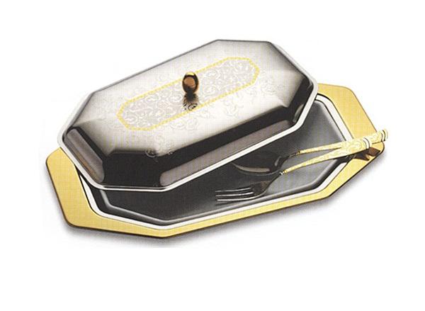 Набор для горячего Dubai GoldМиски и чаши<br>Блюдо для горячего с крышкой и фарфоровой вставкой с вилкой и ложкой<br><br>Material: Металл