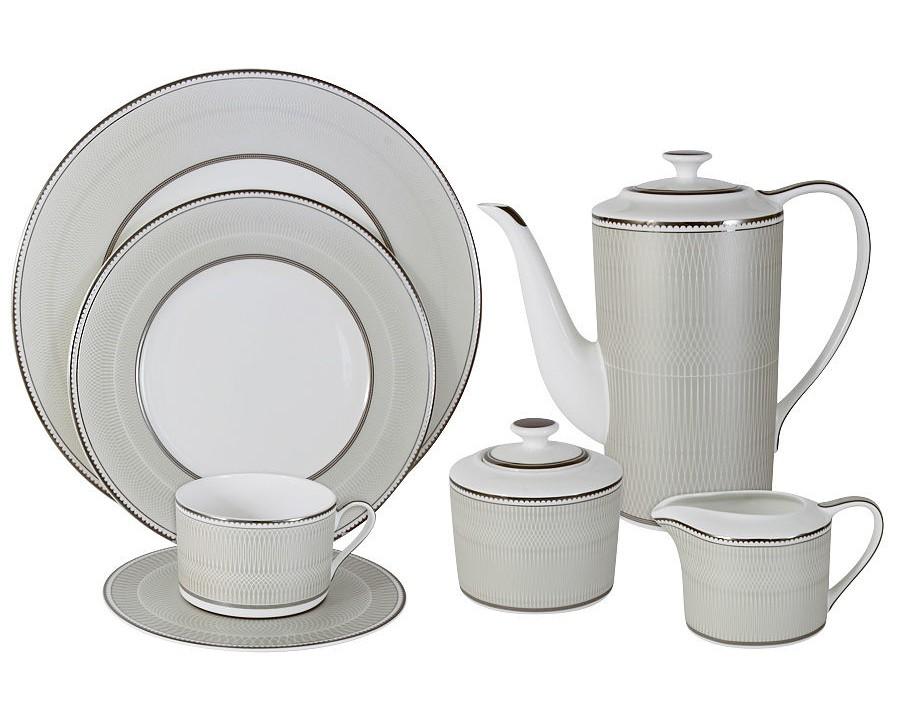 Чайный сервиз Маренго 40 предм.на 12 персонЧайные сервизы<br>В комплект входят: 12чашек 0.25л, 12 блюдец, 12 тарелок 21.5см, чайник 1.4л, сахарница 0.35л, молочник 0.25л, блюдо для торта 31см.<br><br>Material: Фарфор