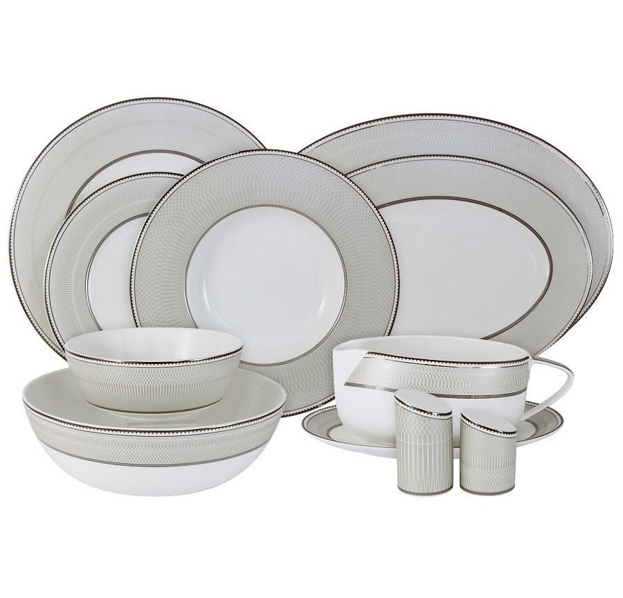 Обеденный сервиз Маренго 50 предм.на 12 персонСтоловые сервизы<br>В комплект входят: 12 обеденных тарелок 27.5см, 12 закусочных тарелок 21.5см, 12 суповых тарелок 24.5см, 2 салатника 23.5см, 4 салатника 16см, 2 блюда 36см, 3 блюда 30см, соусник на блюдце, солонка, перечница.<br><br>Material: Фарфор