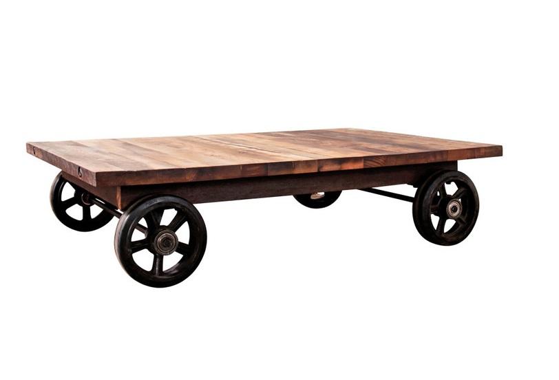 Стол CarstenЖурнальные столики<br>Для интерьерных гурманов дизайнеры создали столик&amp;amp;nbsp;&amp;quot;Carsten&amp;quot;. Он с первых минут становится объектом пристального внимания. &amp;amp;nbsp;Экстравагантную внешность образуют четыре колеса, перекочевавшие с грузовой тележки. Дополнительно дизайнеры &amp;quot;опустили&amp;quot; столешницу до уровня пола, укрепив образ повозки. Подобное исполнение добавляет&amp;amp;nbsp;образу&amp;amp;nbsp;самодостаточности и независимости. Ведь благодаря колесам стол легко перемещать по дому.<br><br>Material: Дерево<br>Ширина см: 120<br>Высота см: 32<br>Глубина см: 80
