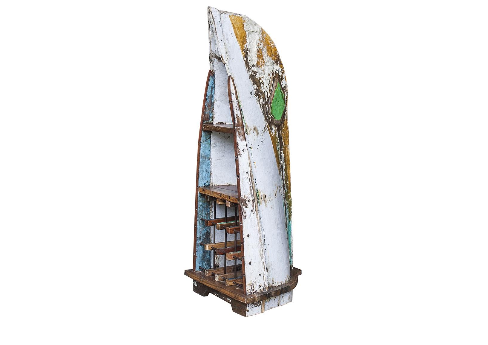 Винный шкаф малый СедовВинные шкафы<br>Винный шкаф, выполненный из старой рыбацкой лодки классической правильной формы с сохранением оригинальной многослойной окраски.<br>Хранит до 15 бутылок. <br>Подходит для использования как внутри помещения, так и снаружи. <br>Сборка не требуется. <br>Покрытие: шеллак <br>Материал: массив тика (махогони, суара)<br><br>Material: Тик<br>Ширина см: 52.0<br>Высота см: 140.0<br>Глубина см: 55.0