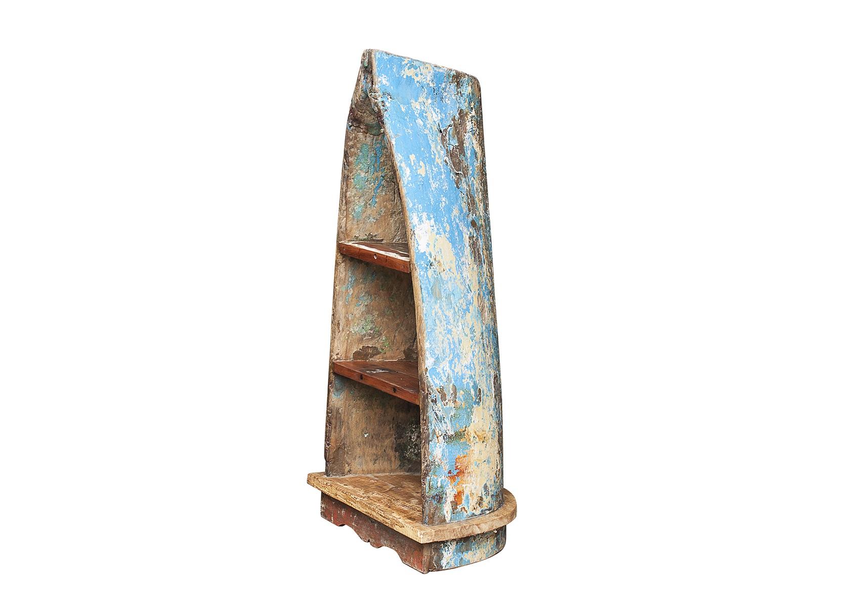 Стеллаж из лодки малый ПикассоСтеллажи и этажерки<br>Напольный стеллаж, выполненный из старой рыбацкой лодки изящной вытянутой формы с сохранением оригинальной многослойной окраски.<br><br>Имеет 3 полки разной вместимости.<br>Подходит для использования как внутри помещения, так и снаружи.<br>Сборка не требуется.<br>Страна производитель - Индонезия.<br><br>Material: Тик<br>Width см: 42<br>Depth см: 56<br>Height см: 119
