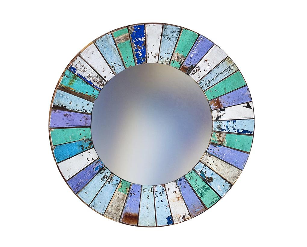 Зеркало КолобокНастенные зеркала<br>Круглое зеркало выполнено из фрагментов настоящего рыболовецкого судна, возраст которого 20-40 лет. Окрас сохранён оригинальный. Диаметр 78 см.<br><br>Material: Тик<br>Глубина см: 4