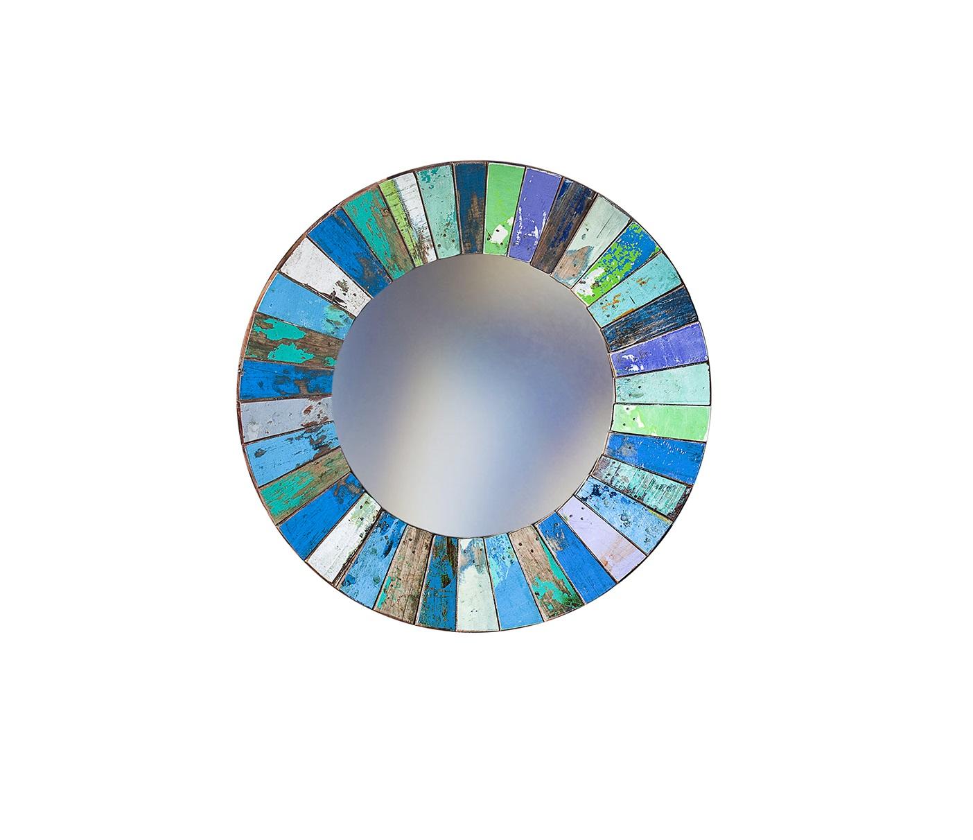 Зеркало КолобокНастенные зеркала<br>Круглое зеркало выполнено из фрагментов настоящего рыболовецкого судна, возраст которого 20-40 лет. Окрас сохранён оригинальный. Диаметр 78 см.<br><br>Material: Тик<br>Глубина см: 4.0
