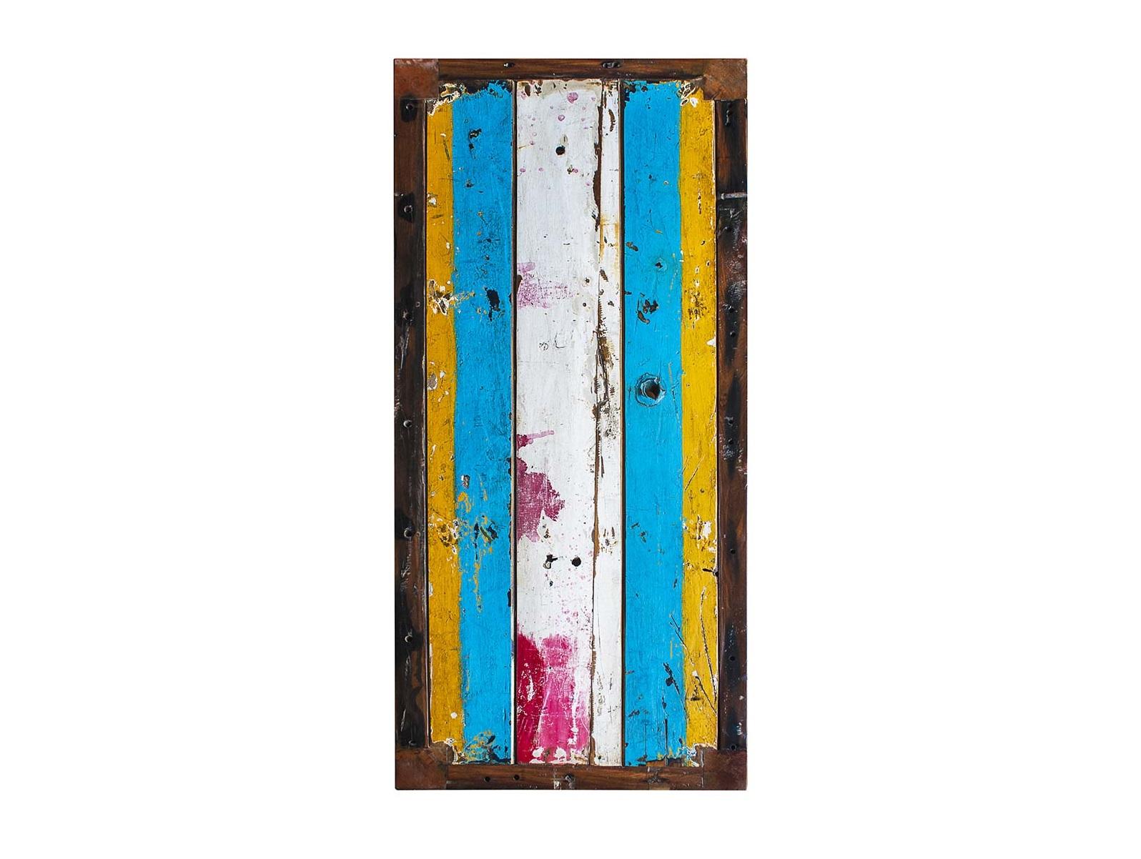 Барный стол БарниБарные столы<br>Стол прямоугольный барный. Выполнен из массива древесины старого рыбацкого судна с сохранением оригинальной многослойной окраски.<br>Подходит для использования как внутри помещения, так и снаружи.<br>Сборка не требуется.<br>Страна производитель - Индонезия.<br><br>Material: Тик<br>Width см: 130<br>Depth см: 60<br>Height см: 110