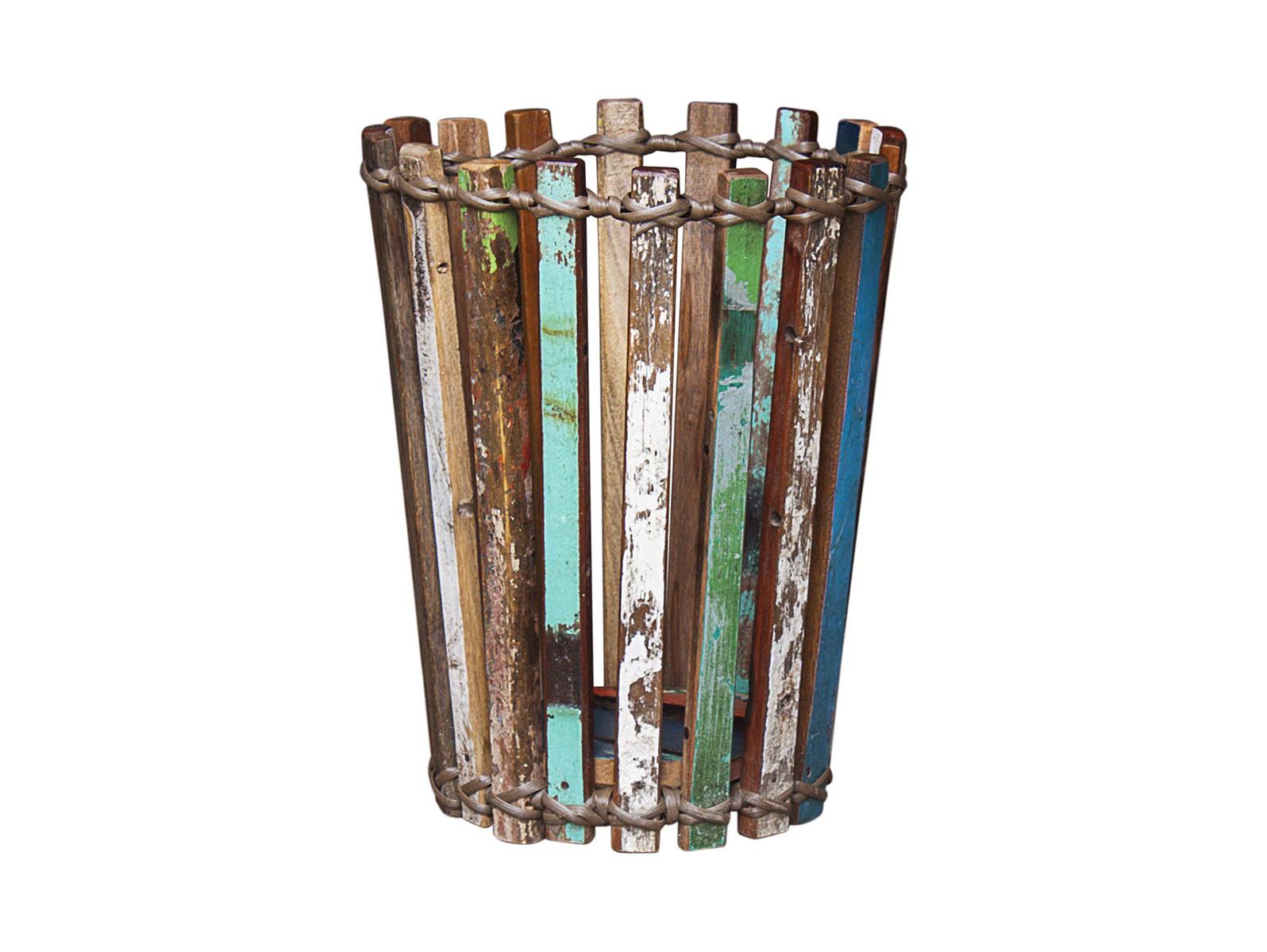 Корзина для храненияКорзины<br>Корзина, выполненная из частей старого рыбацкого судна с сохранением оригинальной многослойной окраски.<br><br>Material: Тик<br>Width см: None<br>Depth см: None<br>Height см: 45<br>Diameter см: 35