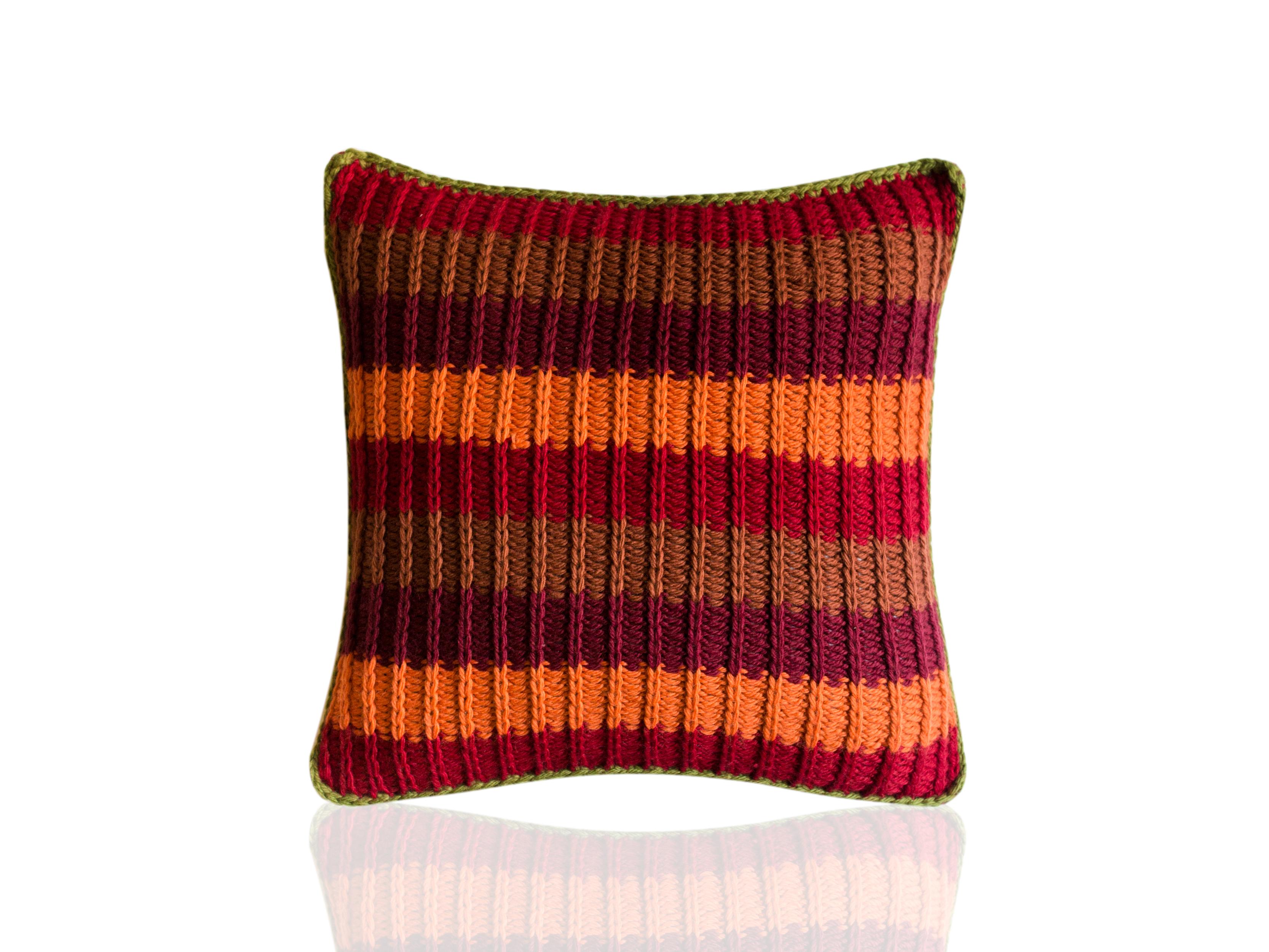 Подушка AmurКвадратные подушки и наволочки<br>Амур - вязаная диванная подушка ручной работы - сделана из высококачественных материалов в Барселоне, Испания. Яркая, мягкая и красивая, эта вещь в традиционном стиле добавит комфорта и уюта любому домашнему декору.&amp;lt;div&amp;gt;&amp;lt;br&amp;gt;&amp;lt;div&amp;gt;Состав наволочки: 55% шерсть мериноса / 45% акрил&amp;amp;nbsp;&amp;lt;/div&amp;gt;&amp;lt;div&amp;gt;Наполнитель (вынимающаяся подушка): 100% полиэстер&amp;amp;nbsp;&amp;lt;/div&amp;gt;&amp;lt;/div&amp;gt;<br><br>Material: Шерсть<br>Ширина см: 40.0<br>Высота см: 40.0<br>Глубина см: 10.0