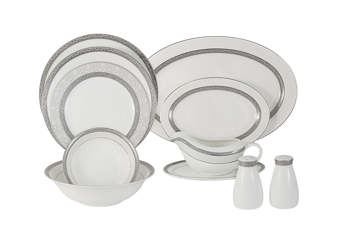Обеденный сервиз Бостон 27 предметов на 6 персонСтоловые сервизы<br>В комплект входят: 6 обеденных тарелок 26см, 6 суповых тарелок 23.5см, 6 закусочных тарелок 20.5, 1 салатник 23см, 2 салатника 16см, 1 блюдо 36см, 1 блюдо 23см, соусник и блюдо под него, набор для специй.<br><br>Material: Фарфор