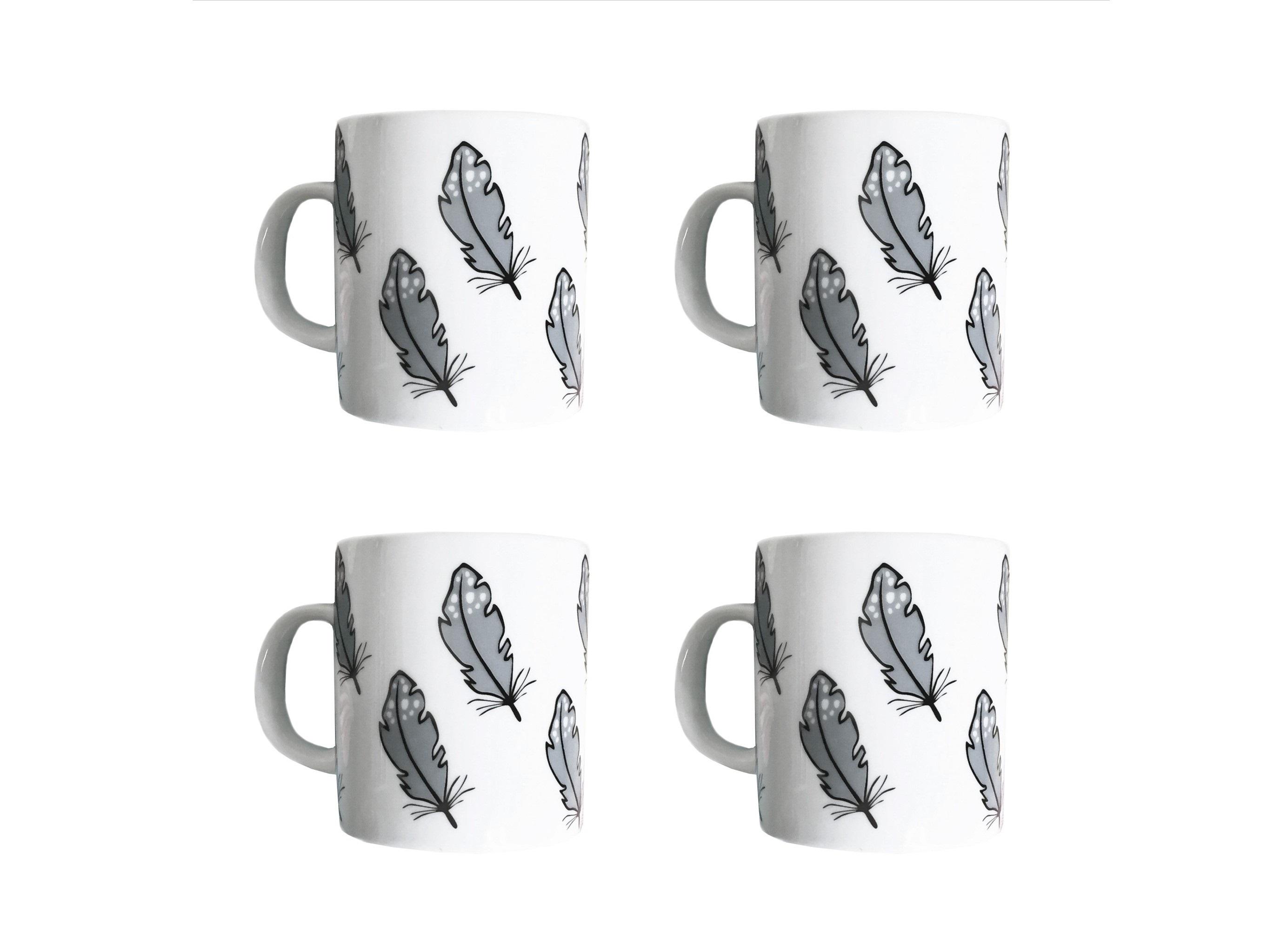 Набор кружек Перо (4 шт)Чайные пары, чашки и кружки<br>Посуду можно использовать в микроволновой печи и посудомоечной машине.&amp;amp;nbsp;&amp;lt;div&amp;gt;Объем: 300 мл.&amp;lt;/div&amp;gt;<br><br>Material: Фарфор<br>Высота см: 9