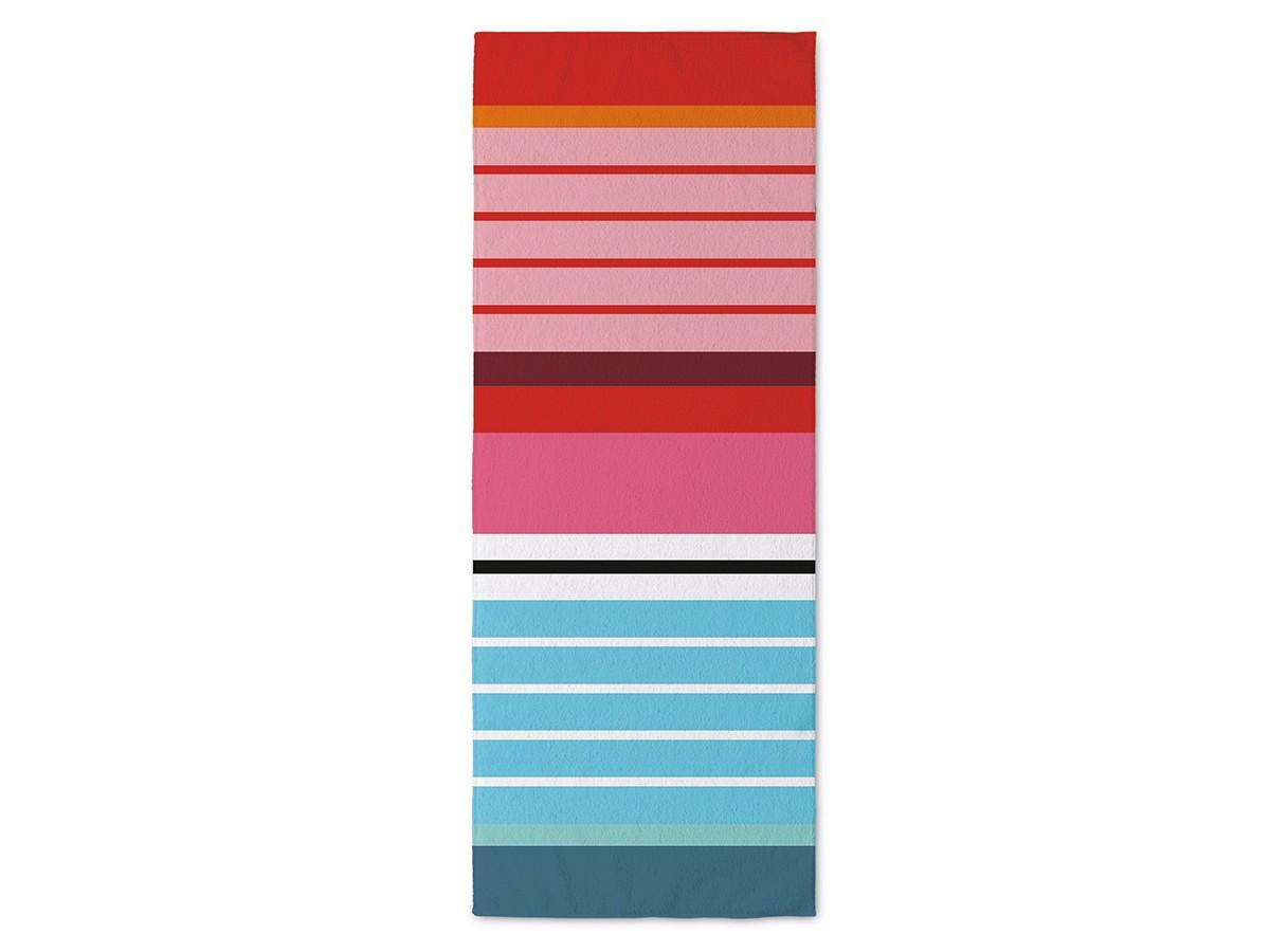 Полотенце банное StripesБанные полотенца<br>Мягкое банное полотенце Stripes – идеальный вариант для ванной комнаты и пляжа. Благодаря нежной и пушистой структуре в него приятно закутаться после принятия душа или купания в бассейне, а яркое цветовое оформление позволяет привлечь внимание окружающих и стильно дополнить интерьер. Изделие выполнено из 100% хлопка, за счет чего отлично впитывает влагу и согревает тело.&amp;amp;nbsp;<br><br>Material: Хлопок<br>Width см: 200<br>Depth см: 80