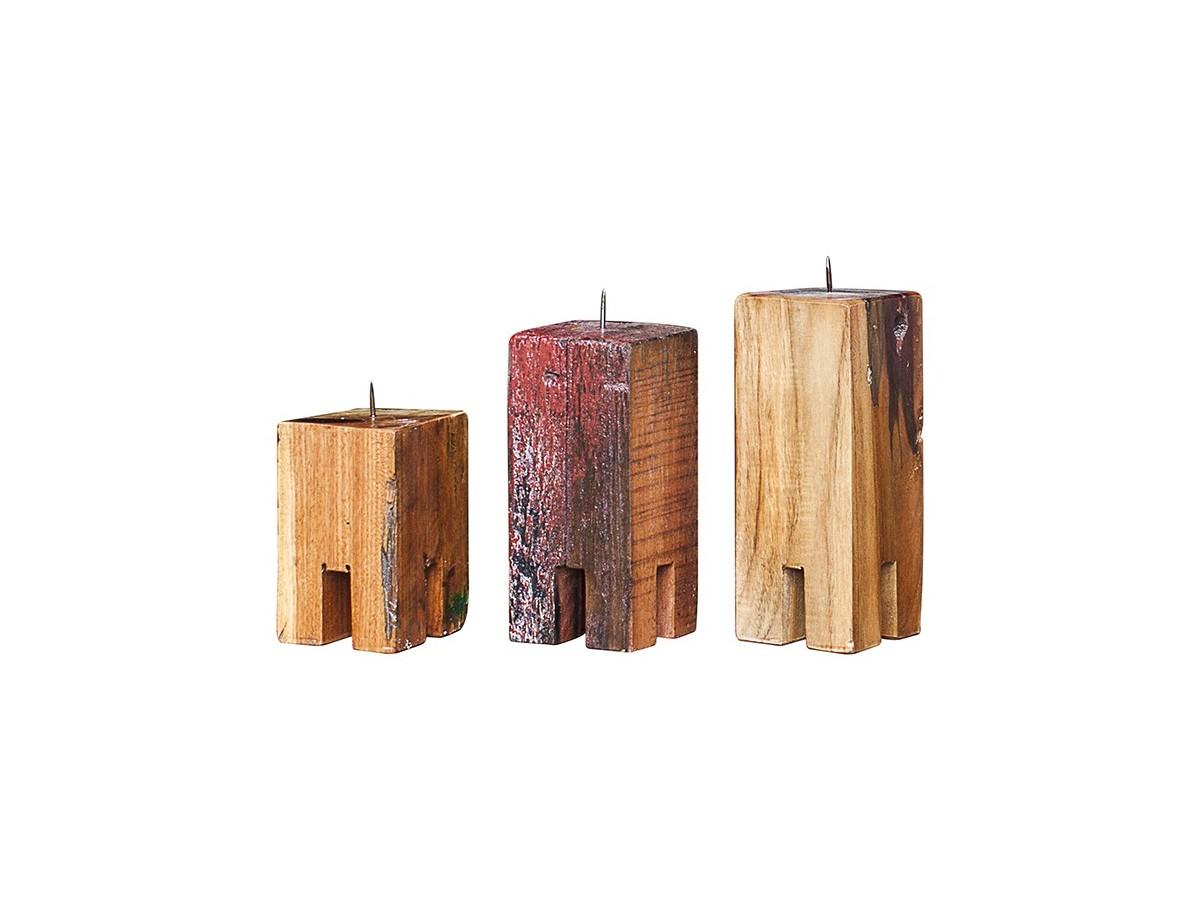 Комплект подсвечников Гарри Поттер (3 шт)Подсвечники<br>Три подсвечника разной высоты (12, 17 и 20 см.), выполненные из массива древесины старого рыбацкого судна с сохранением оригинальной многослойной окраски.<br><br>Подходит для использования как внутри помещения, так и снаружи.&amp;amp;nbsp;<br><br>Material: Тик<br>Ширина см: 30.0<br>Высота см: 20.0<br>Глубина см: 10.0