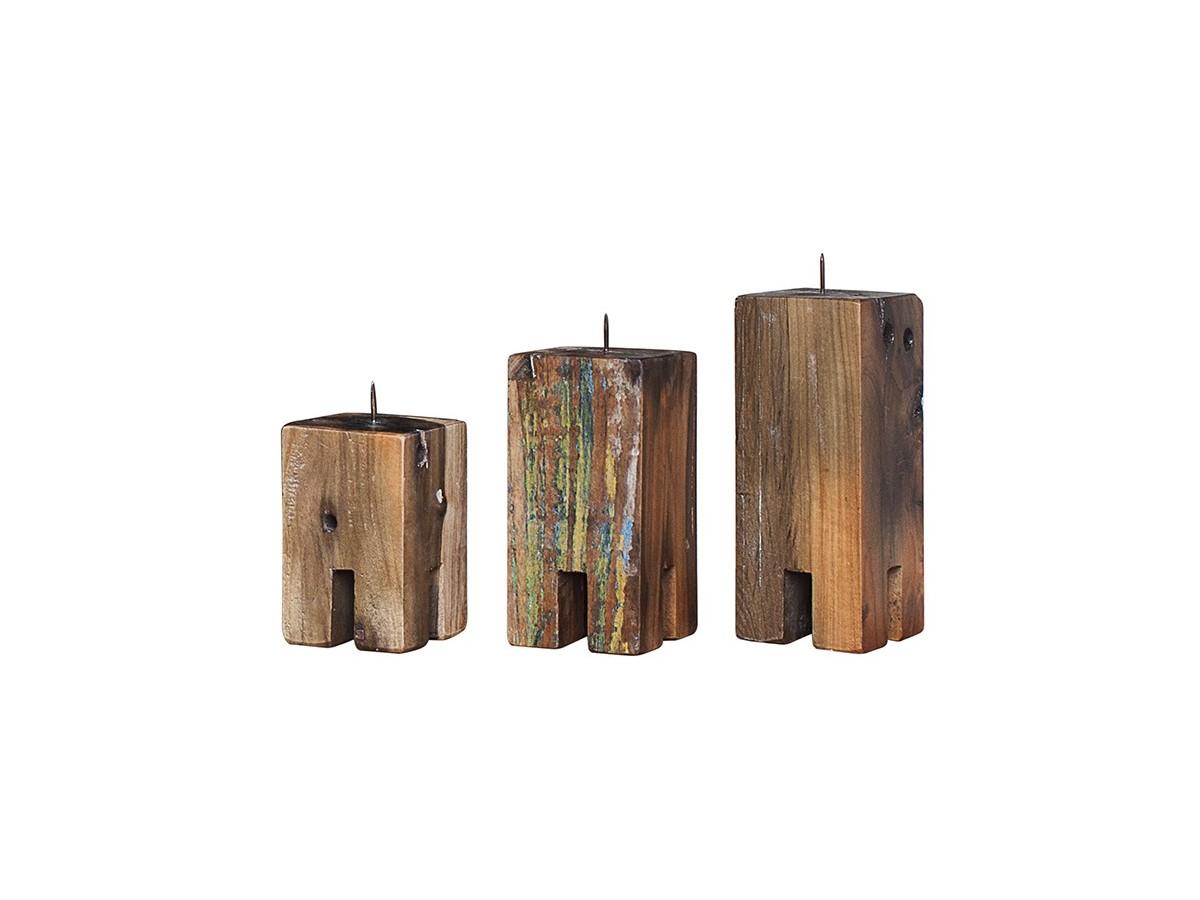 Комплект подсвечников Гарри Поттер (3 шт)Подсвечники<br>Три подсвечника разной высоты (12, 17 и 20 см.), выполненные из массива древесины старого рыбацкого судна с сохранением оригинальной многослойной окраски.<br><br>Подходит для использования как внутри помещения, так и снаружи.&amp;amp;nbsp;<br><br>Material: Тик<br>Width см: 10<br>Depth см: 10<br>Height см: 20