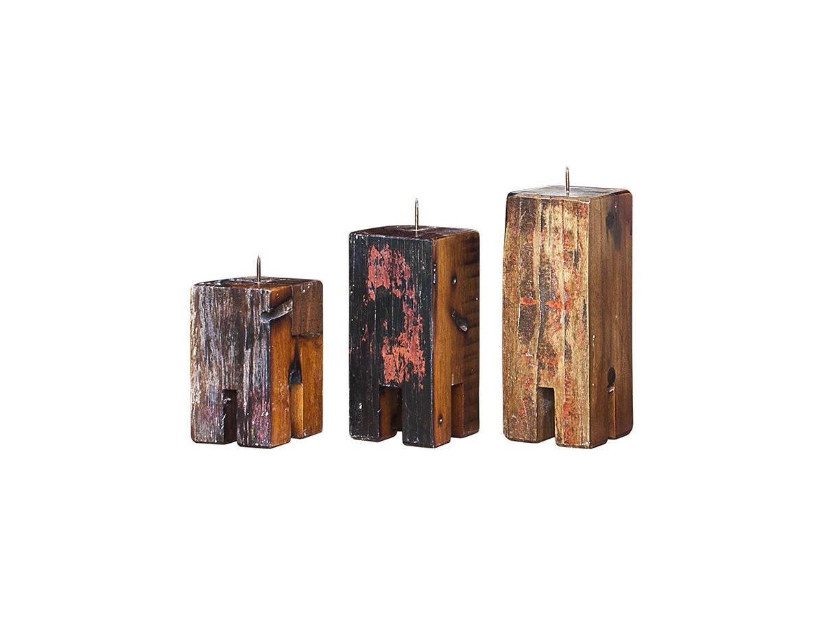 Комплект подсвечников Гарри Поттер (3 шт)Подсвечники<br>Три подсвечника разной высоты (12, 17 и 20 см.), выполненные из массива древесины старого рыбацкого судна с сохранением оригинальной многослойной окраски.<br><br>Подходит для использования как внутри помещения, так и снаружи.<br><br>Material: Тик<br>Width см: 10<br>Depth см: 10<br>Height см: 20