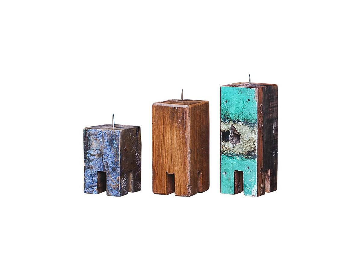 Набор из 3х подсвечников Гарри ПоттерПодсвечники<br>Три подсвечника разной высоты (12, 17 и 20 см.), выполненные из массива древесины старого рыбацкого судна с сохранением оригинальной многослойной окраски.<br><br>Подходит для использования как внутри помещения, так и снаружи.&amp;nbsp;<br><br>kit: None<br>gender: None