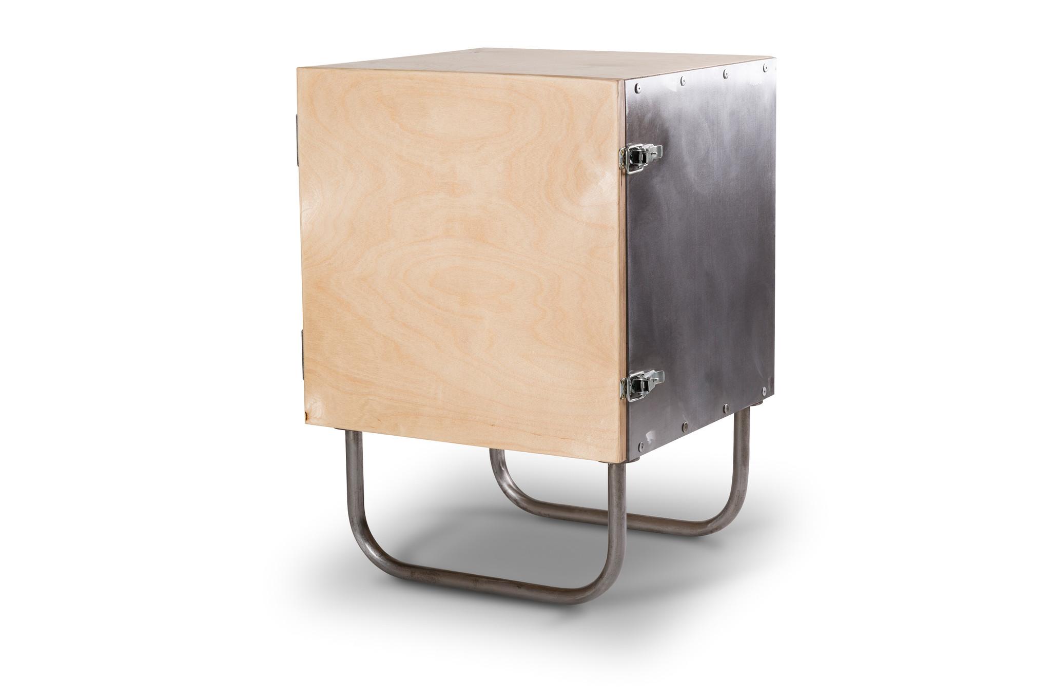 Прикроватная тумба SteelboxПрикроватные тумбы<br>Прикроватная тумба &amp;quot;Steelbox&amp;quot; лаконична и функциональна. Собранная вручную из натуральных материалов, она прекрасно впишется в интерьер в стиле ЛОФТ или скандинавский эко-стиль.&amp;amp;nbsp;&amp;lt;div&amp;gt;&amp;lt;br&amp;gt;&amp;lt;/div&amp;gt;&amp;lt;div&amp;gt;Корпус выполнен из металла, фасад - из березовой фанеры.&amp;amp;nbsp;&amp;lt;/div&amp;gt;&amp;lt;div&amp;gt;Цветовую гамму с легкостью можно изменить по заказу клиента.&amp;amp;nbsp;&amp;lt;/div&amp;gt;<br><br>Material: Металл<br>Ширина см: 40<br>Высота см: 58<br>Глубина см: 40