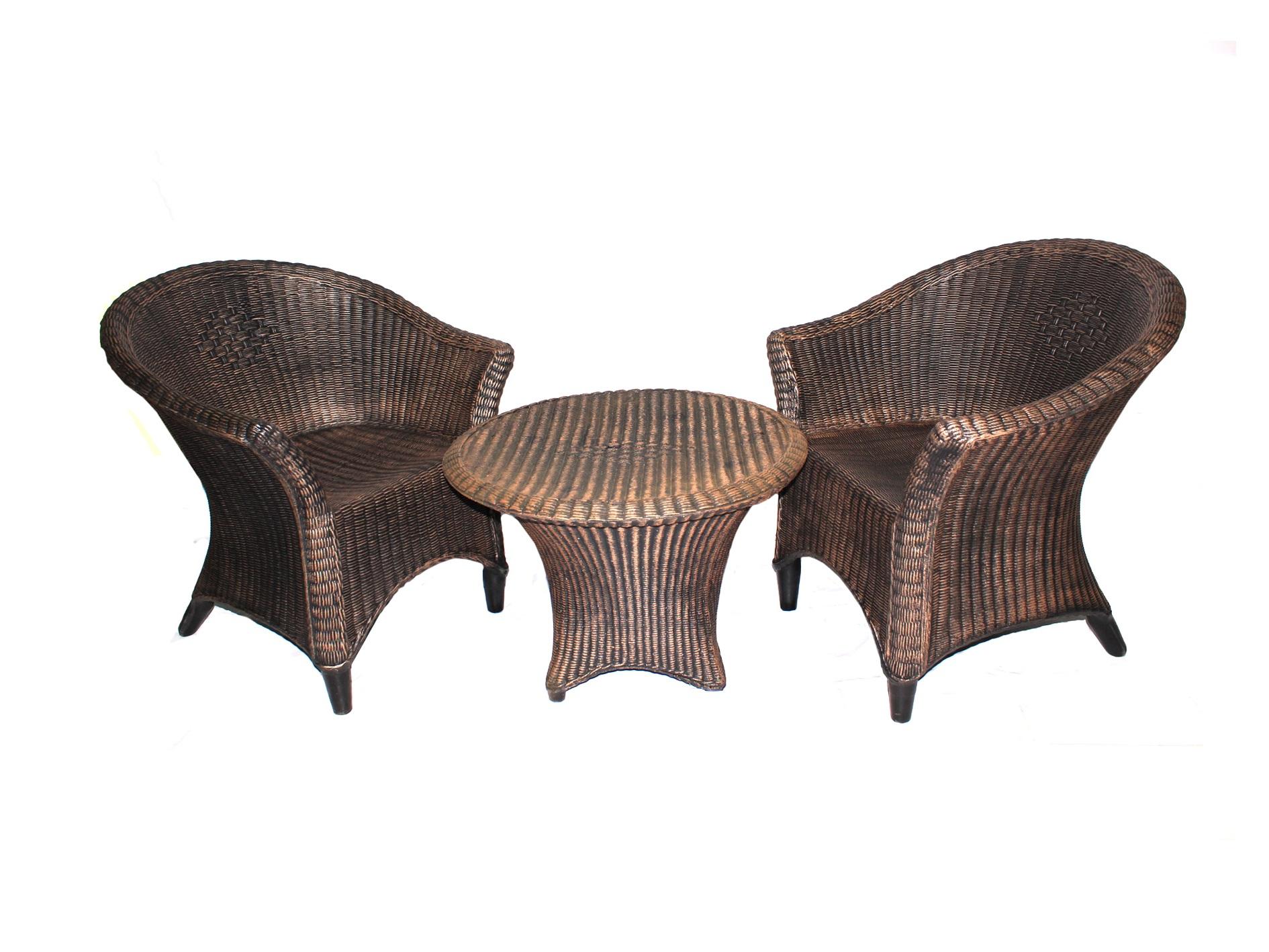 Комплект мебели Ротанг (3 предмета)Комплекты уличной мебели<br>Набор мебели &amp;quot;Ротанг&amp;quot; (Стол маленький + два кресла) сделан из монолита пластика, что позволяет ему избежать любых видов повреждений.&amp;amp;nbsp;&amp;lt;div&amp;gt;Размер стола?67х47&amp;lt;/div&amp;gt;&amp;lt;div&amp;gt;Размер кресла: 75х60х65.&amp;amp;nbsp;&amp;lt;/div&amp;gt;<br><br>Material: Пластик<br>Ширина см: 75<br>Высота см: 60<br>Глубина см: 65