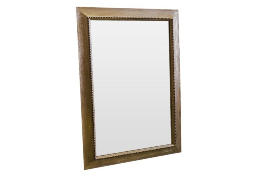 Зеркало ручной работы ТриумфНастенные зеркала<br>Настоящий триумф ждет Вас с этим зеркалом ручной работы: массив дерева, обработанный золотом и задекорированный искусно состаренными узорами, совместно с зеркалом наивысшего качества и с лучшими свойствами отражения непременно украсят Ваш дом и станут в нем притягательным элементом. Зеркало также может скромно укрыться в Вашем будуаре и радовать исключительно Вас своим великолепием.<br><br>Material: Дерево<br>Ширина см: 75<br>Высота см: 107<br>Глубина см: 5