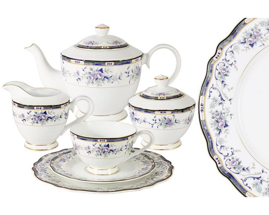Чайный сервиз Маркиза 39 предметов на 12 персонЧайные сервизы<br>В набор входят: 12 чашек 0.2л, 12 блюдец, 12 тарелок 20см, чайник 0.9л, сахарница 0.3,молочник 0.25л.<br><br>Material: Фарфор