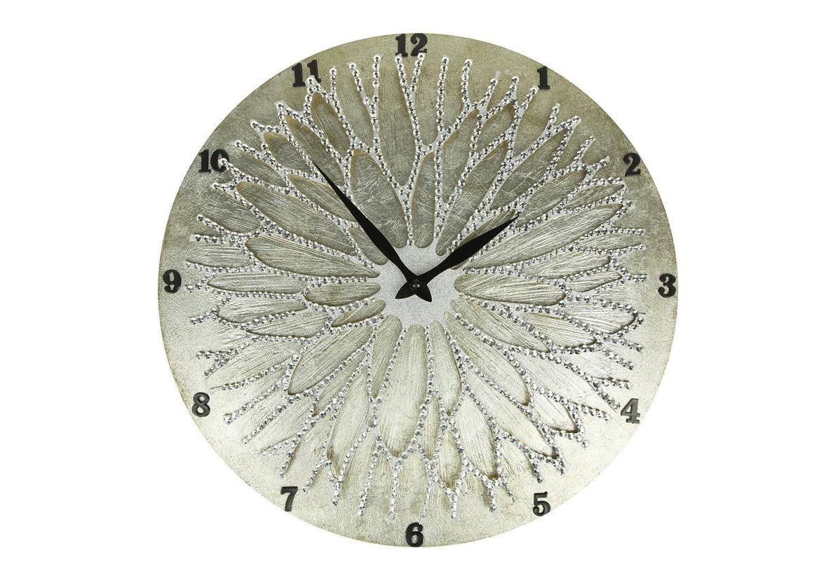 Настенные часы ЦветокНастенные часы<br>Настенные часы коллекции «Цветок» - подлинное произведение искусства. Они преобразят абсолютно любой интерьер, создадут гармонию, наделят помещение изысканностью, и заставят на стене расцвести роскошный райский цветок. Создается ощущение, что при создании не обошлось без пыльцы фей: настолько волшебно переливается покрытие из страз.Настенные часы коллекции «Цветок» способны стать идеальным подарком. Их выбирают на все торжественные случаи жизни, а также – когда нужно преподнести что-то роскошное и выполненное с изысканным вкусом. <br>&amp;lt;div&amp;gt;&amp;lt;br&amp;gt;&amp;lt;/div&amp;gt;&amp;lt;div&amp;gt;Материал&amp;lt;span class=&amp;quot;Apple-tab-span&amp;quot; style=&amp;quot;white-space:pre&amp;quot;&amp;gt;&amp;lt;/span&amp;gt;Дерево, акриловая краска, стразы серебряного цвета, серебряная поталь, патина, кварцевый часовой механизм механизм&amp;lt;br&amp;gt;&amp;lt;/div&amp;gt;<br><br>Material: Дерево<br>Diameter см: 45