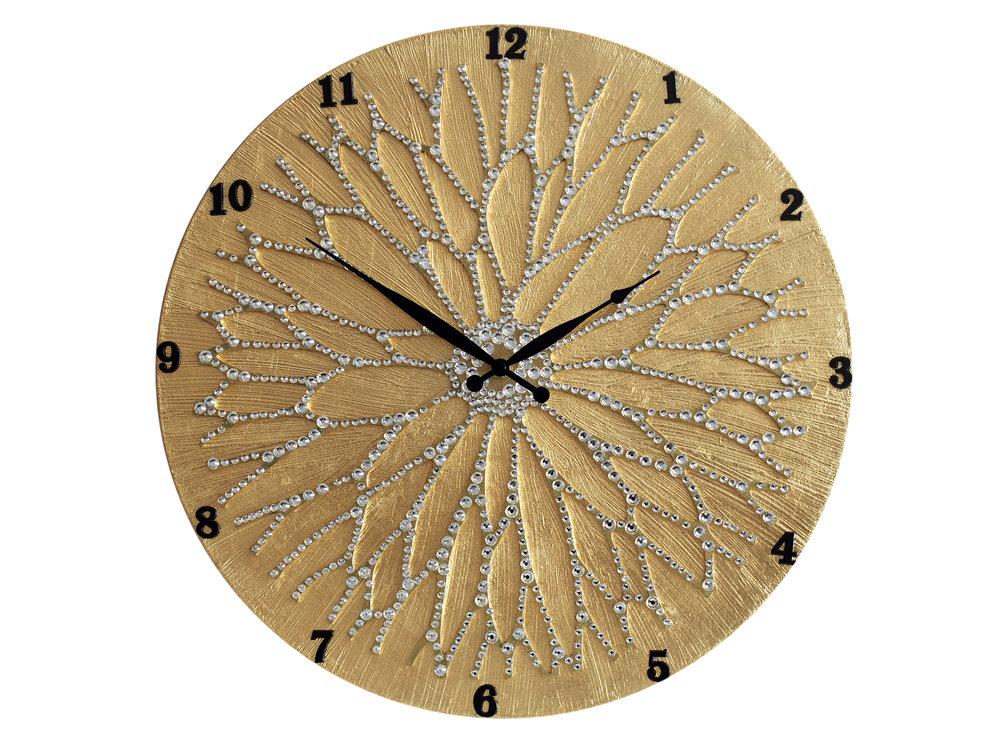 Настенные часы ЦветокЧасы<br>Настенные часы коллекции «Цветок» - подлинное произведение искусства. Они преобразят абсолютно любой интерьер, создадут гармонию, наделят помещение изысканностью, и заставят на стене расцвести роскошный райский цветок. Создается ощущение, что при создании не обошлось без пыльцы фей: настолько волшебно переливается покрытие из страз.Настенные часы коллекции «Цветок» способны стать идеальным подарком. Их выбирают на все торжественные случаи жизни, а также – когда нужно преподнести что-то роскошное и выполненное с изысканным вкусом. <br>&amp;lt;div&amp;gt;&amp;lt;br&amp;gt;&amp;lt;/div&amp;gt;&amp;lt;div&amp;gt;Материал: Дерево, акриловая краска, стразы серебряного цвета, серебряная поталь, патина, кварцевый часовой механизм механизм&amp;lt;br&amp;gt;&amp;lt;/div&amp;gt;<br><br>Material: Дерево<br>Diameter см: 45
