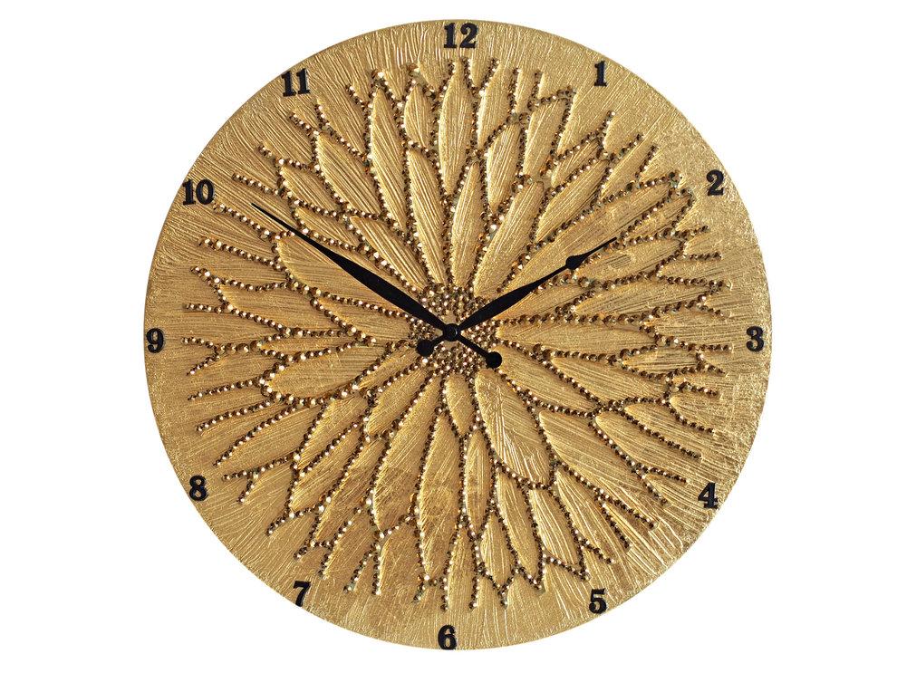 Настенные часы ЦветокНастенные часы<br>Настенные часы коллекции «Цветок» - подлинное произведение искусства. Они преобразят абсолютно любой интерьер, создадут гармонию, наделят помещение изысканностью, и заставят на стене расцвести роскошный райский цветок. Создается ощущение, что при создании не обошлось без пыльцы фей: настолько волшебно переливается покрытие из страз.Настенные часы коллекции «Цветок» способны стать идеальным подарком. Их выбирают на все торжественные случаи жизни, а также – когда нужно преподнести что-то роскошное и выполненное с изысканным вкусом. <br>&amp;lt;div&amp;gt;&amp;lt;br&amp;gt;&amp;lt;/div&amp;gt;&amp;lt;div&amp;gt;Материал: Дерево, акриловая краска, кристаллы горного хрусталя более 2000 шт, кварцевый часовой механизм&amp;lt;br&amp;gt;&amp;lt;/div&amp;gt;<br><br>Material: Дерево