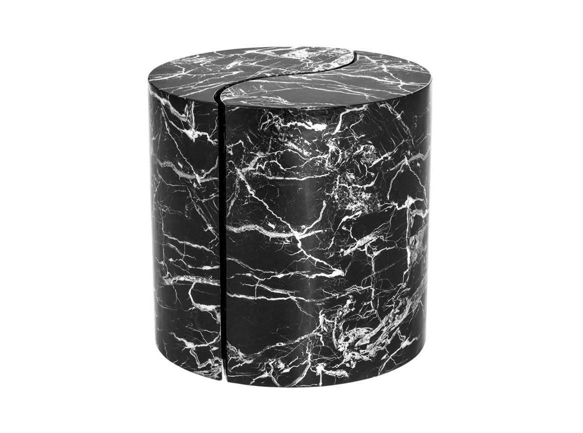 Столик MaoriПриставные столики<br>Столик состоит из 2-х частей.<br><br>Material: Мрамор<br>Ширина см: 60.0<br>Высота см: 60.0<br>Глубина см: 35.0