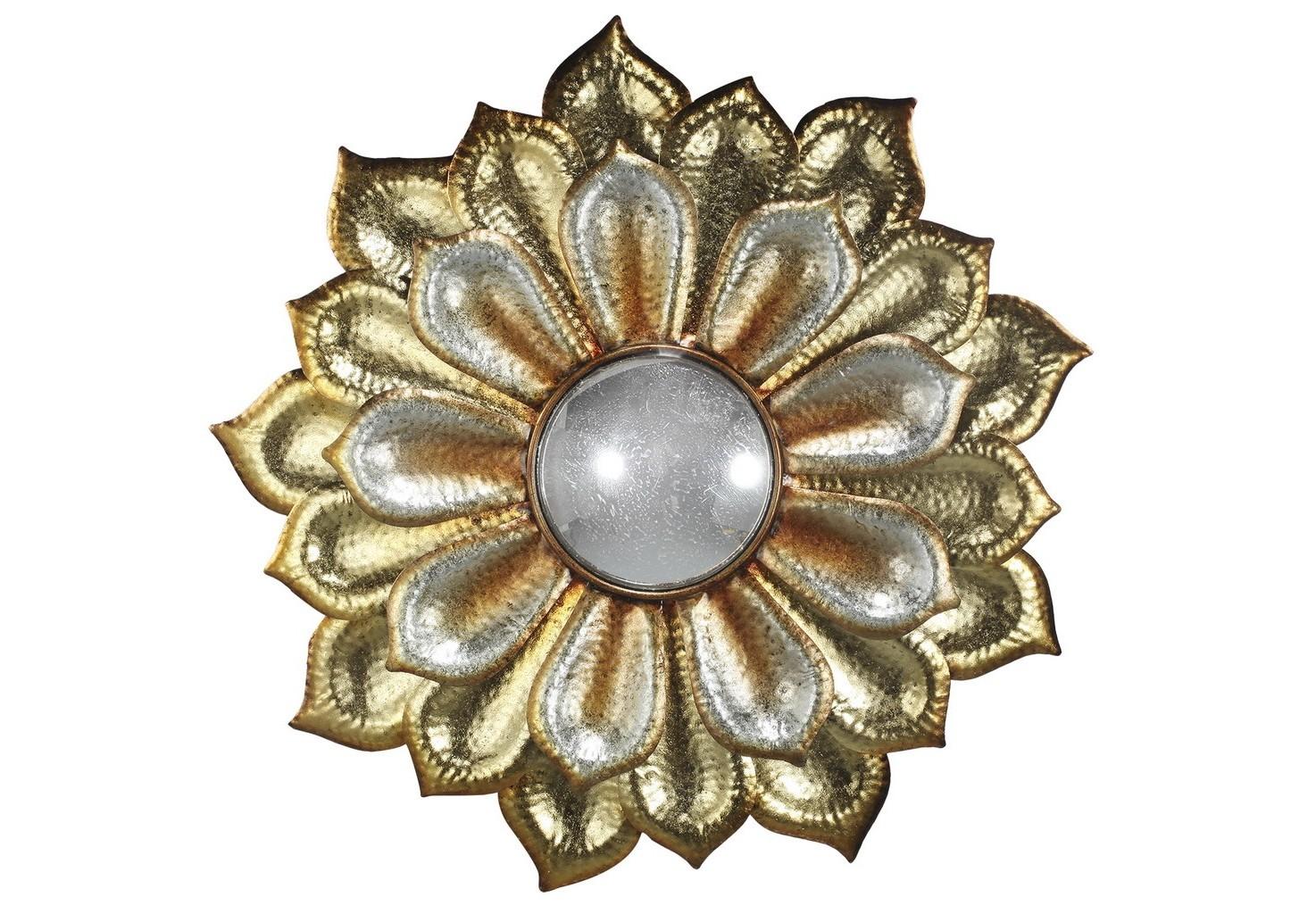 Зеркало настенноеНастенные зеркала<br>Зеркало настенное, оформленное в виде цветка.&amp;lt;div&amp;gt;Рама металлическая, цвет золото с патиной, зеркало - акриловое.&amp;lt;/div&amp;gt;&amp;lt;div&amp;gt;Вес 3,85 кг.&amp;lt;/div&amp;gt;<br><br>Material: Металл<br>Глубина см: 5