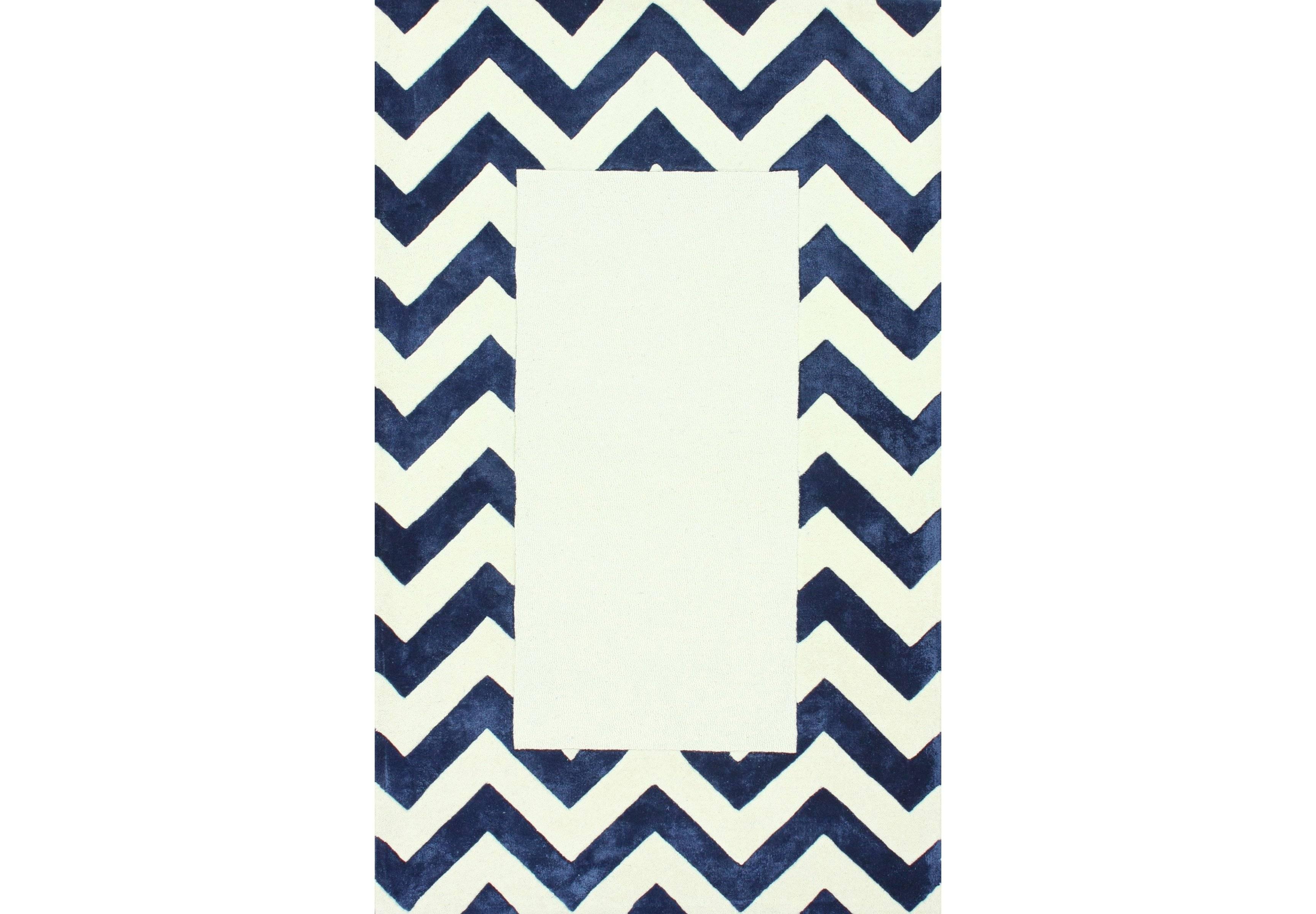 Ковер Zig-zag 200х140Прямоугольные ковры<br>Бело-синий ковер с рисунком зиг-заг (шеврон) искусно сочетает в себе модный рисунок и классику вне времени. Ковер с таким узором легко сделает современным, интерьер в любой комнате. Выполненный по технологии ручного тафтинга, из настоящей шерсти — придаст тепла и мягкости вашим полам.&amp;amp;nbsp;&amp;lt;div&amp;gt;&amp;lt;br&amp;gt;&amp;lt;/div&amp;gt;&amp;lt;div&amp;gt;Ковер может быть изготовлен в любом из широкого спектра цветов: серый, черный, светло-голубой, бежевый, горчичный, синий, голубой, темно-синий, зеленый, кремовый, розовый, оранжевый.&amp;lt;/div&amp;gt;<br><br>Material: Шерсть<br>Ширина см: 140<br>Глубина см: 200