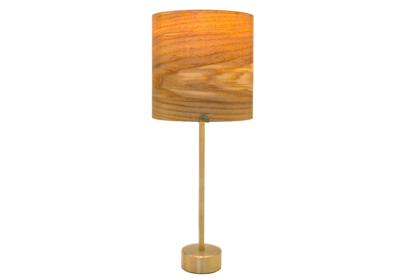 Настольная лампа ЮпитерДекоративные лампы<br>Лампа &amp;quot;Юпитер&amp;quot; - планета, которая поместится у вас на столе! Природные линии натурального ясеня, из которого сделан плафон лампы, действительно очень напоминают атмосферу этого газового гиганта. Свет от лампочки проходит сквозь абажур и дарит мягкое и уютное освещение всему помещению. Основание и трубка выполнены из латуни, что придают изделию эстетичный вид и приятную тяжесть. Абажур выполнен из армированного шпона, что исключает поломку и трещины, и покрыт натуральными маслами.&amp;amp;nbsp;&amp;lt;div&amp;gt;&amp;lt;br&amp;gt;&amp;lt;/div&amp;gt;&amp;lt;div&amp;gt;&amp;lt;div&amp;gt;Тип цоколя: E27&amp;lt;/div&amp;gt;&amp;lt;div&amp;gt;Мощность: 60W&amp;lt;/div&amp;gt;&amp;lt;div&amp;gt;Кол-во ламп: 1 (нет в комплекте)&amp;lt;/div&amp;gt;&amp;lt;/div&amp;gt;<br><br>Material: Шпон<br>Высота см: 36