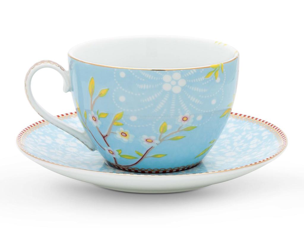 Набор из двух чашек с блюдцем FloralЧайные пары, чашки и кружки<br>Набор из 2-х чашек с блюдцем Floral. Объём 280 мл. Не использовать в микроволновой печи. Не рекомендуется мыть в посудомоечной машине.<br><br>Material: Фарфор<br>Width см: 16.2<br>Depth см: 16.2<br>Height см: 7.5