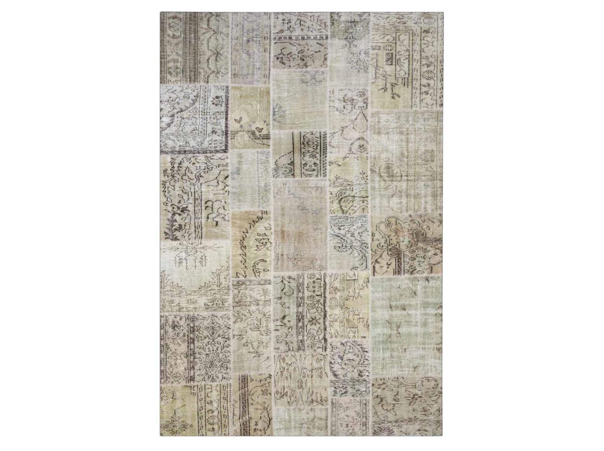 Ковер PatchworkПрямоугольные ковры<br>Винтажный ковер ручной работы в стиле &amp;quot;пэчворк&amp;quot; <br>из 100% шерсти. Ковер прекрасно подходит в <br>любые современные и классические интерьеры, <br>а благодаря толщине ковра всего 5 мм и отсутствию <br>ворса, его легко чистить любыми видами пылесосов. <br>Этот настоящий ковер ручной работы не потеряет <br>своих красок и будет служить десятилетия.<br><br>Material: Шерсть<br>Ширина см: 198<br>Глубина см: 300