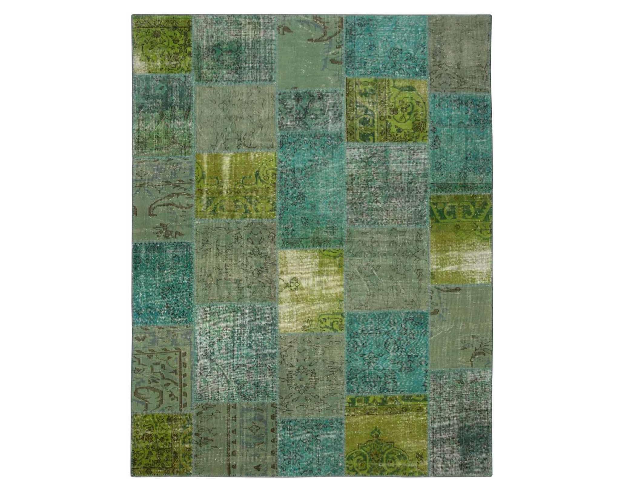 Ковер PatchworkПрямоугольные ковры<br>Винтажный ковер ручной работы в стиле &amp;quot;пэчворк&amp;quot; <br>из 100% шерсти. Ковер прекрасно подходит в <br>любые современные и классические интерьеры, <br>а благодаря толщине ковра всего 5 мм и отсутствию <br>ворса, его легко чистить любыми видами пылесосов. <br>Этот настоящий ковер ручной работы не потеряет <br>своих красок и будет служить десятилетия.<br><br>Material: Шерсть<br>Ширина см: 217<br>Глубина см: 280