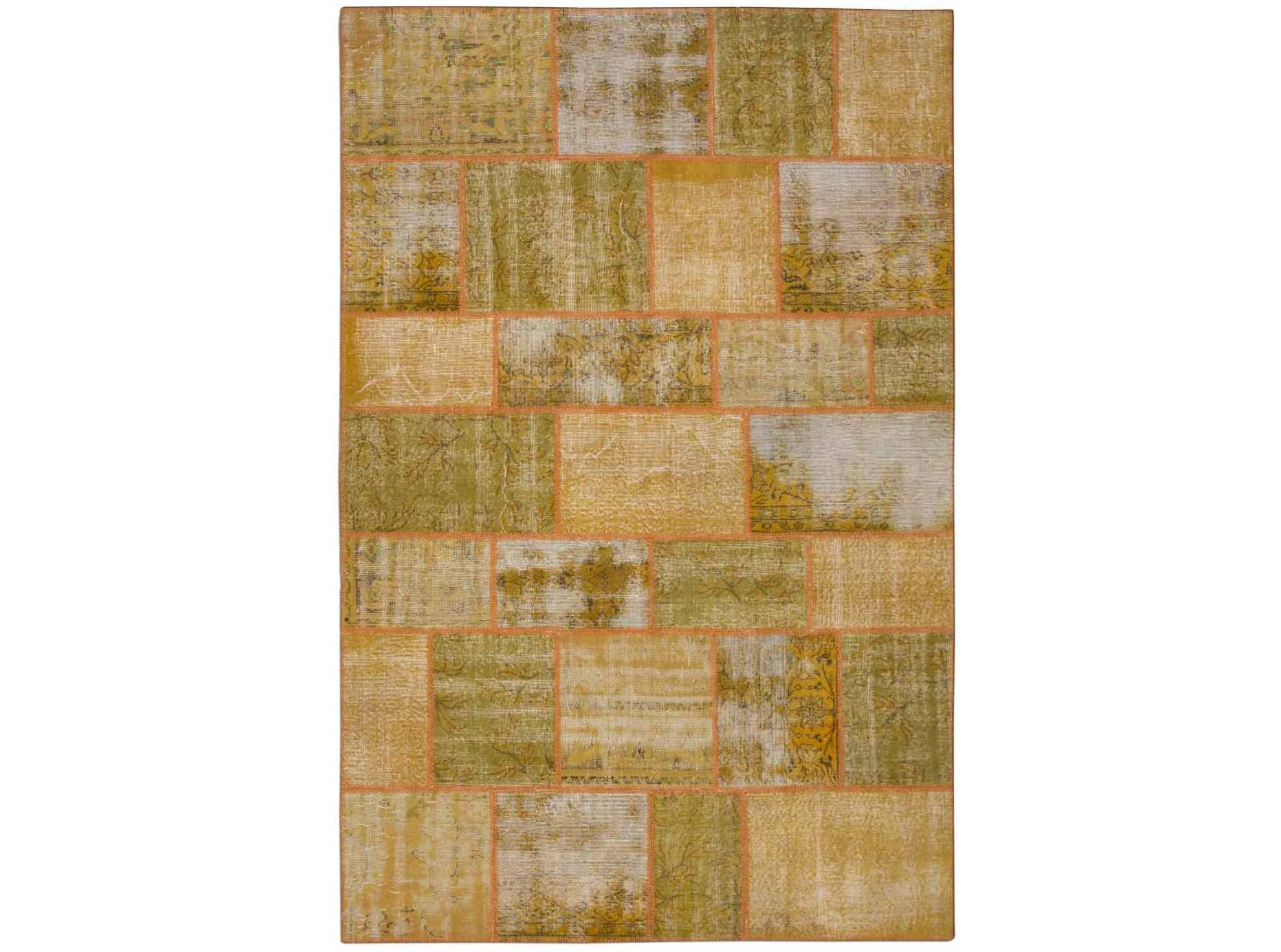 Ковер PatchworkКовры<br>Винтажный ковер ручной работы в стиле &amp;quot;пэчворк&amp;quot; <br>из 100% шерсти. Ковер прекрасно подходит в <br>любые современные и классические интерьеры, <br>а благодаря толщине ковра всего 5 мм и отсутствию <br>ворса, его легко чистить любыми видами пылесосов. <br>Этот настоящий ковер ручной работы не потеряет <br>своих красок и будет служить десятилетия.<br><br>Material: Шерсть<br>Ширина см: 198<br>Глубина см: 302