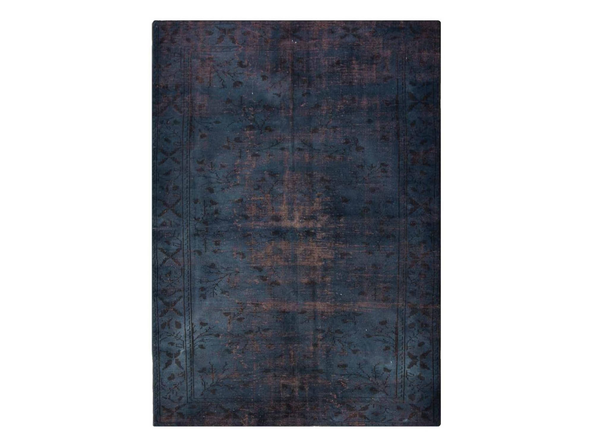 Ковер PatchworkПрямоугольные ковры<br>Винтажный ковер ручной работы в стиле &amp;quot;пэчворк&amp;quot; <br>из 100% шерсти. Ковер прекрасно подходит в <br>любые современные и классические интерьеры, <br>а благодаря толщине ковра всего 5 мм. и отсутствию <br>ворса, его легко чистить любыми видами пылесосов. <br>Этот настоящий ковер ручной работы не потеряет <br>своих красок и будет служить десятилетия.<br><br>Material: Шерсть<br>Ширина см: 191<br>Глубина см: 275