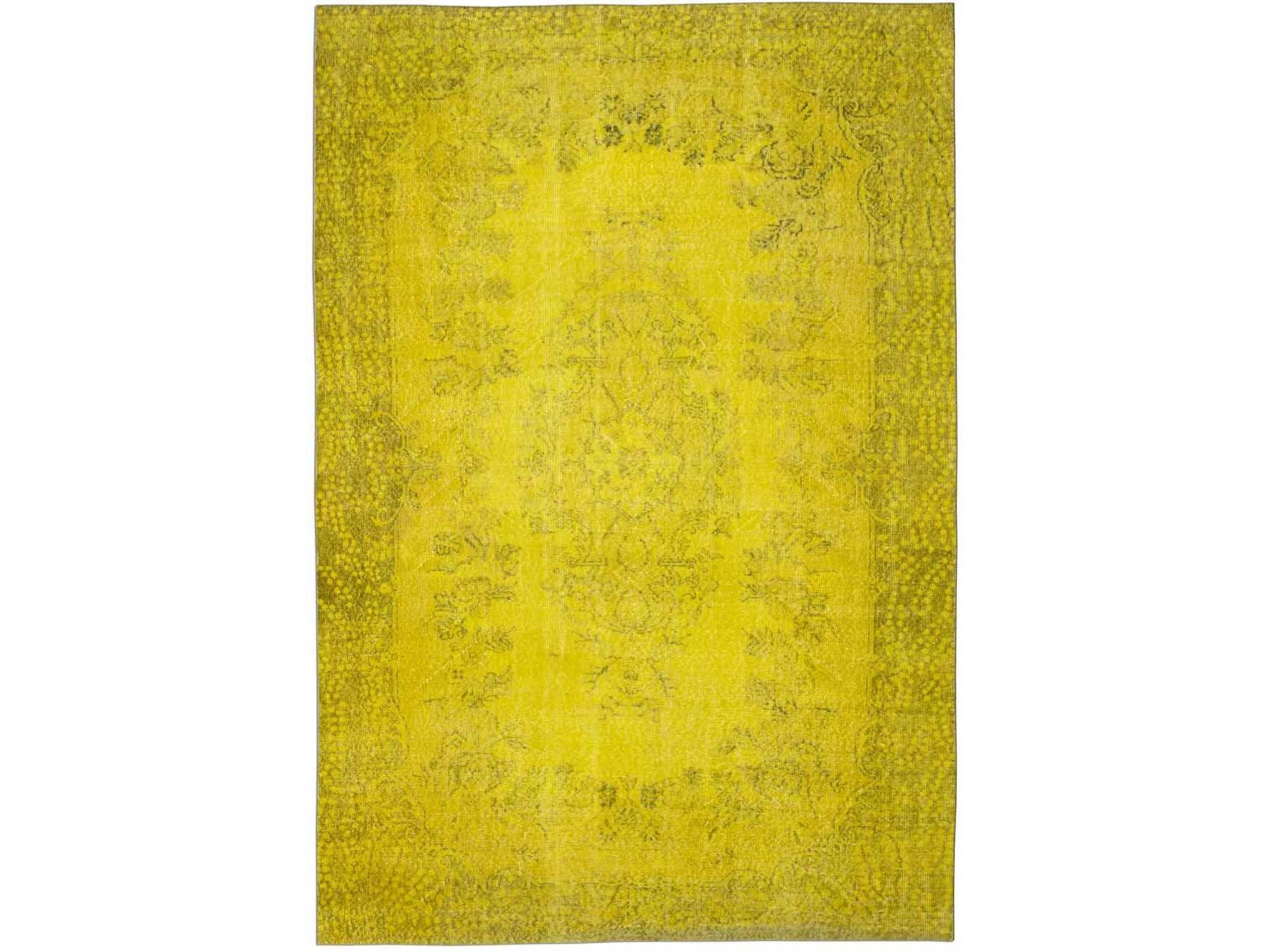Ковер PatchworkПрямоугольные ковры<br>Винтажный ковер ручной работы в стиле &amp;quot;пэчворк&amp;quot; <br>из 100% шерсти. Ковер прекрасно подходит в <br>любые современные и классические интерьеры, <br>а благодаря толщине ковра всего 5 мм. и отсутствию <br>ворса, его легко чистить любыми видами пылесосов. <br>Этот настоящий ковер ручной работы не потеряет <br>своих красок и будет служить десятилетия.<br><br>Material: Шерсть<br>Ширина см: 200<br>Глубина см: 295