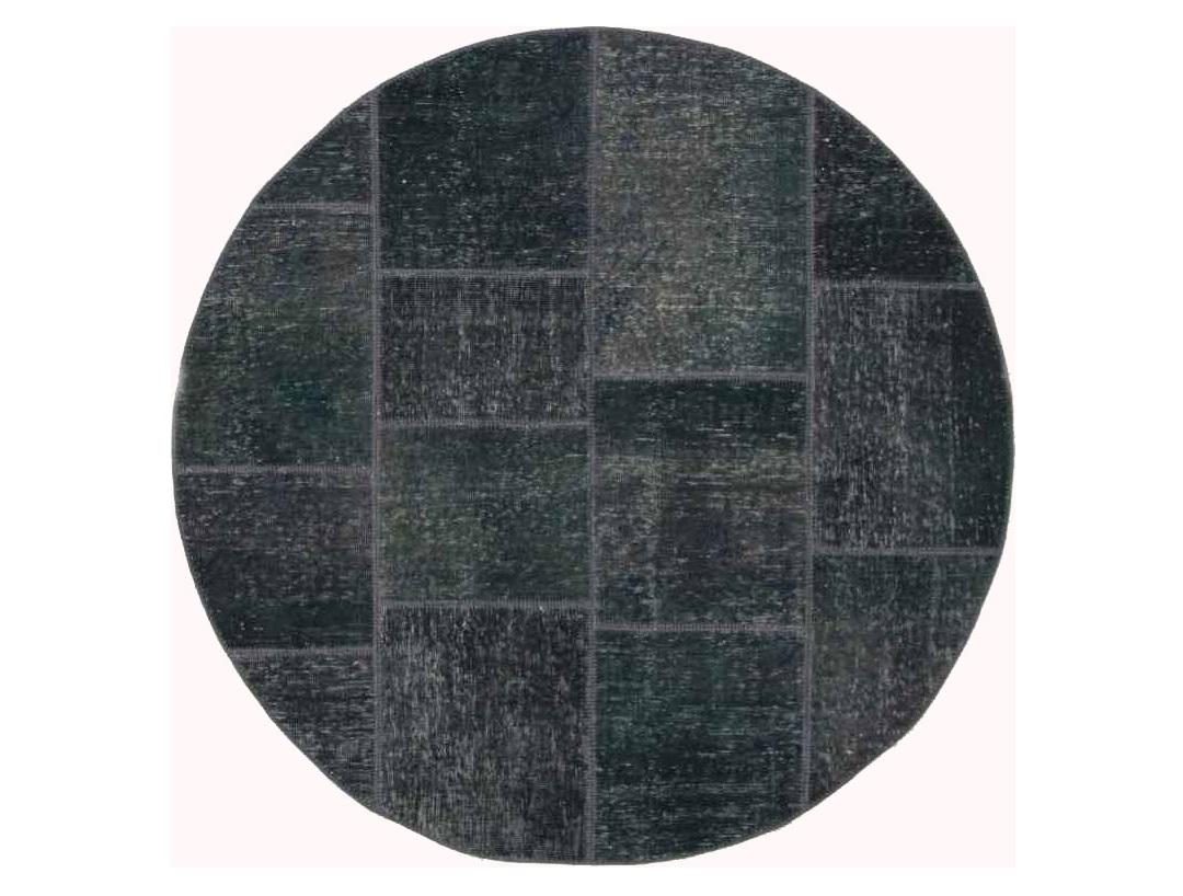Ковер PatchworkКруглые ковры<br>Винтажный ковер ручной работы в стиле &amp;quot;пэчворк&amp;quot; <br>из 100% шерсти. Ковер прекрасно подходит в <br>любые современные и классические интерьеры, <br>а благодаря толщине ковра всего 5 мм и отсутствию <br>ворса, его легко чистить любыми видами пылесосов. <br>Этот настоящий ковер ручной работы не потеряет <br>своих красок и будет служить десятилетия.<br><br>Material: Шерсть