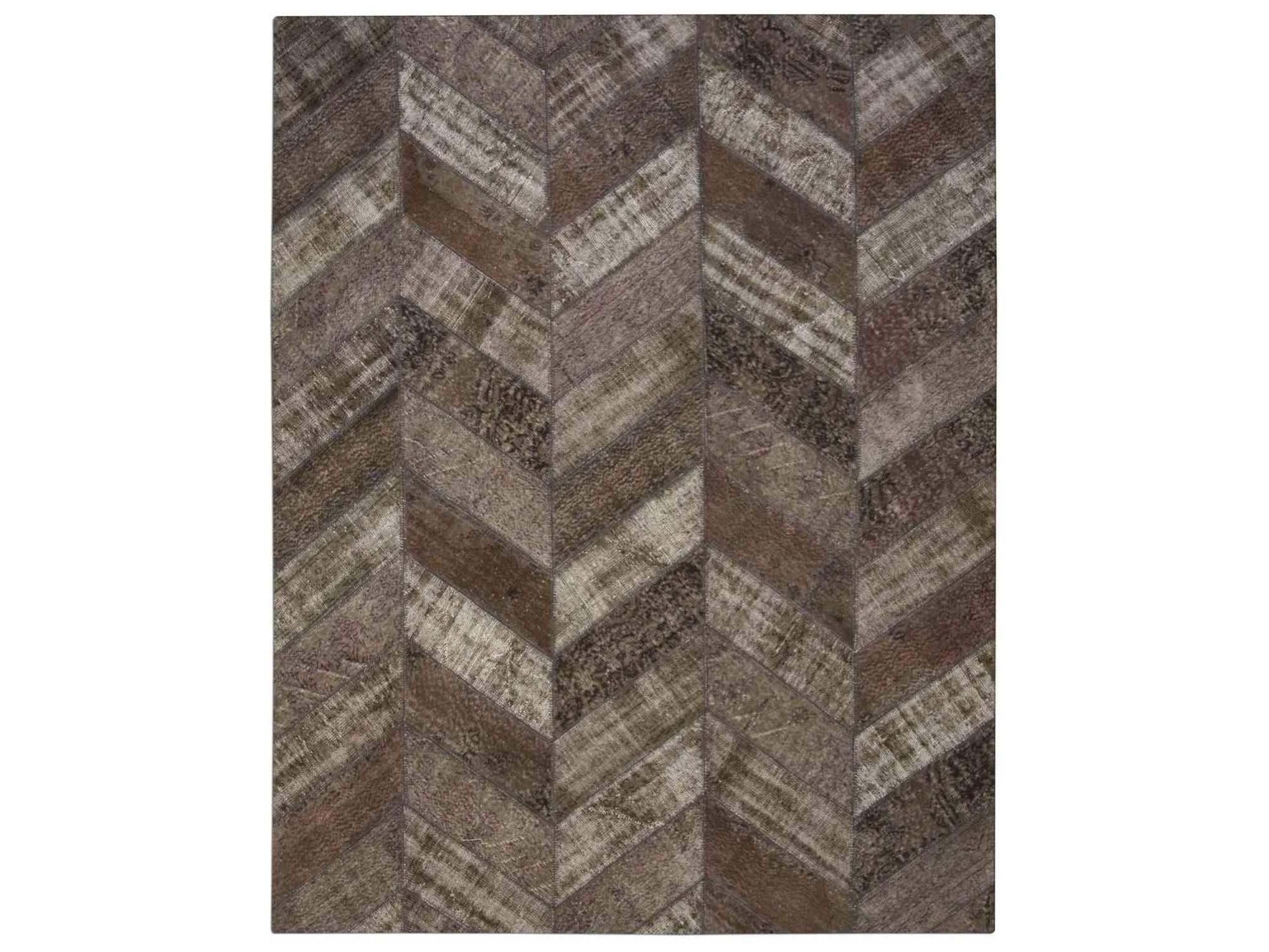 Ковер PatchworkПрямоугольные ковры<br>Винтажный ковер ручной работы в стиле &amp;quot;пэчворк&amp;quot; <br>из 100% шерсти. Ковер прекрасно подходит в <br>любые современные и классические интерьеры, <br>а благодаря толщине ковра всего 5 мм. и отсутствию <br>ворса, его легко чистить любыми видами пылесосов. <br>Этот настоящий ковер ручной работы не потеряет <br>своих красок и будет служить десятилетия.<br><br>Material: Шерсть<br>Width см: 247<br>Depth см: 309