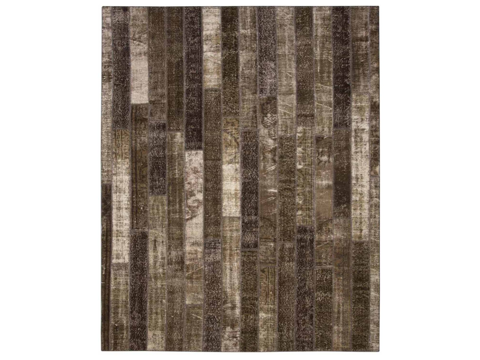 Ковер PatchworkПрямоугольные ковры<br>Винтажный ковер ручной работы в стиле &amp;quot;пэчворк&amp;quot; <br>из 100% шерсти. Ковер прекрасно подходит в <br>любые современные и классические интерьеры, <br>а благодаря толщине ковра всего 5 мм. и отсутствию <br>ворса, его легко чистить любыми видами пылесосов. <br>Этот настоящий ковер ручной работы не потеряет <br>своих красок и будет служить десятилетия.<br><br>Material: Шерсть<br>Ширина см: 248<br>Глубина см: 308