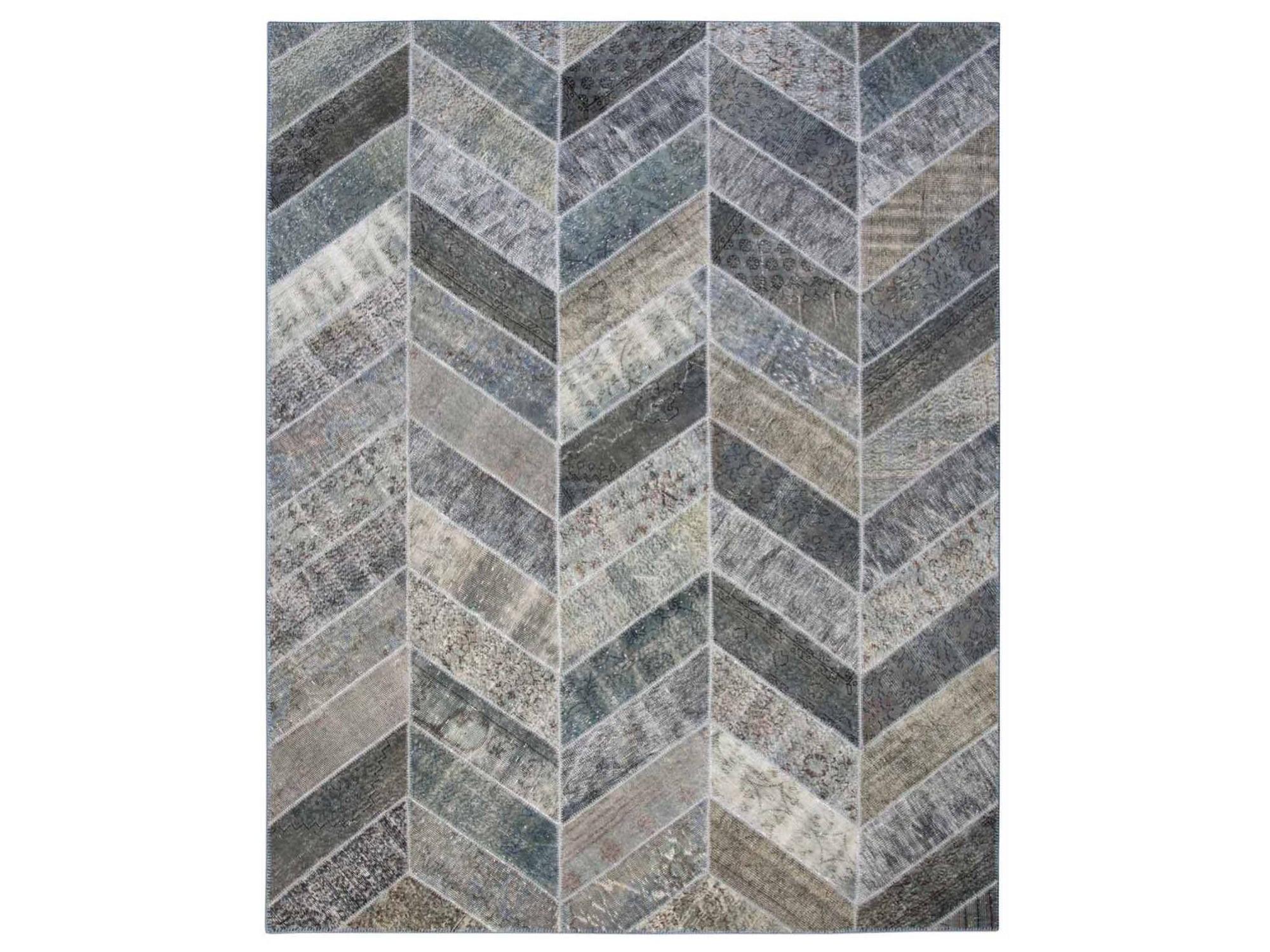Ковер PatchworkПрямоугольные ковры<br>Винтажный ковер ручной работы в стиле &amp;quot;пэчворк&amp;quot; <br>из 100% шерсти. Ковер прекрасно подходит в <br>любые современные и классические интерьеры, <br>а благодаря толщине ковра всего 5 мм. и отсутствию <br>ворса, его легко чистить любыми видами пылесосов. <br>Этот настоящий ковер ручной работы не потеряет <br>своих красок и будет служить десятилетия.<br><br>Material: Шерсть<br>Ширина см: 247<br>Глубина см: 309