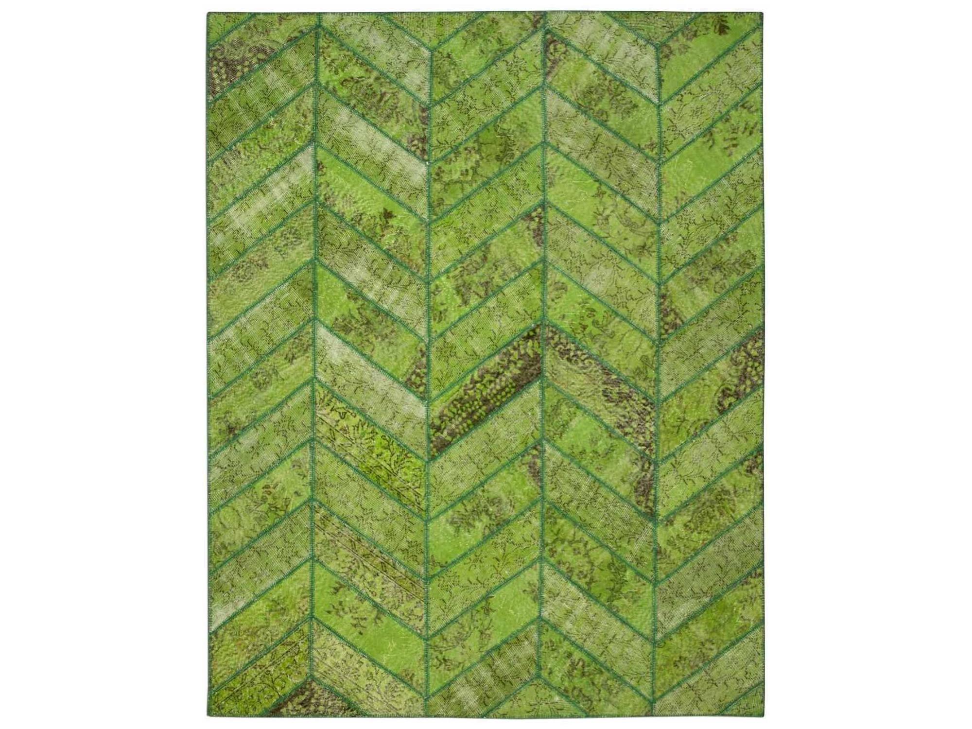 Ковер PatchworkПрямоугольные ковры<br>Винтажный ковер ручной работы в стиле &amp;quot;пэчворк&amp;quot; <br>из 100% шерсти. Ковер прекрасно подходит в <br>любые современные и классические интерьеры, <br>а благодаря толщине ковра всего 5 мм. и отсутствию <br>ворса, его легко чистить любыми видами пылесосов. <br>Этот настоящий ковер ручной работы не потеряет <br>своих красок и будет служить десятилетия.<br><br>Material: Шерсть<br>Width см: 244<br>Depth см: 310