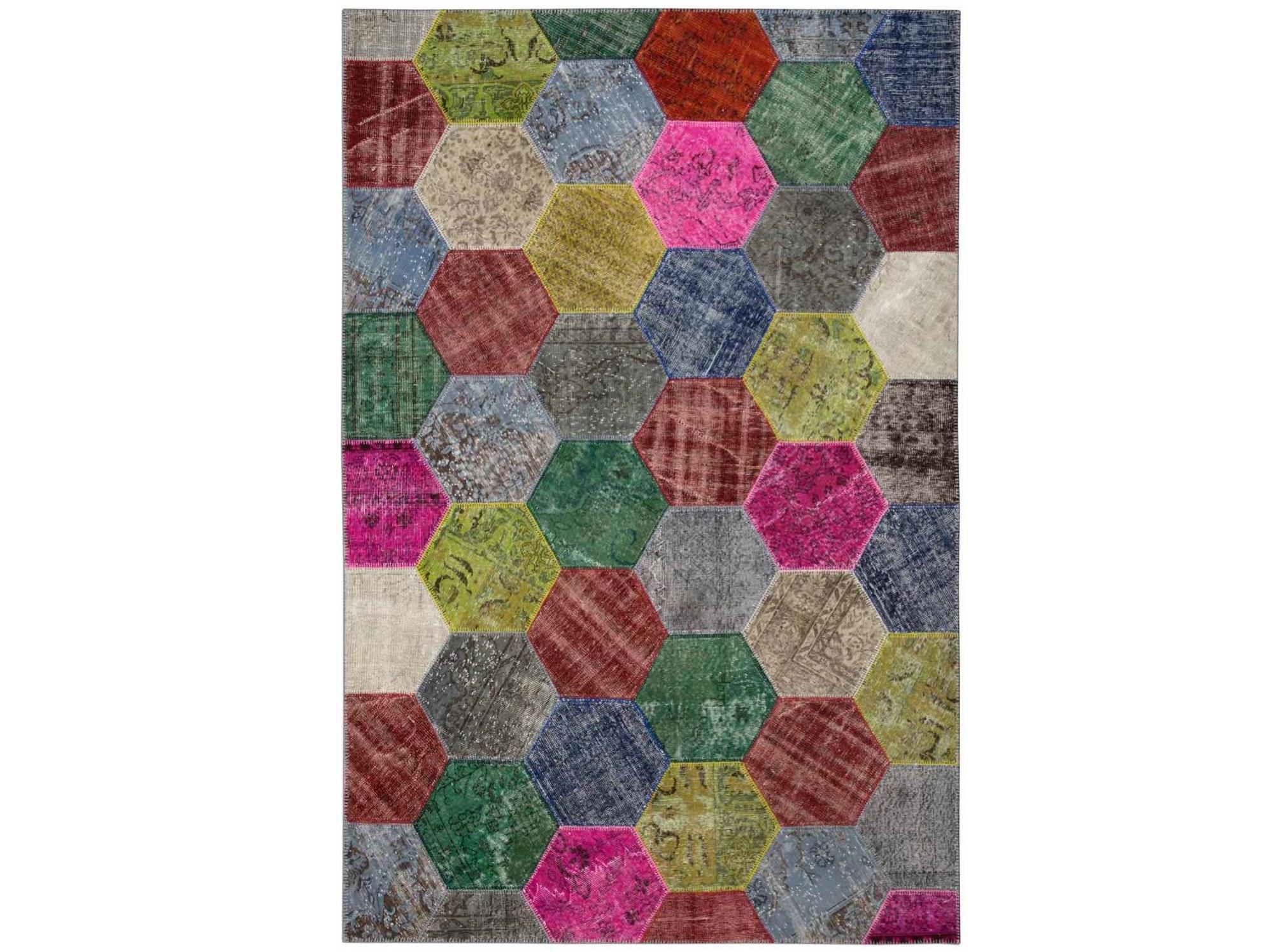 Ковер PatchworkПрямоугольные ковры<br>Винтажный ковер ручной работы в стиле &amp;quot;пэчворк&amp;quot; <br>из 100% шерсти. Ковер прекрасно подходит в <br>любые современные и классические интерьеры, <br>а благодаря толщине ковра всего 5 мм. и отсутствию <br>ворса, его легко чистить любыми видами пылесосов. <br>Этот настоящий ковер ручной работы не потеряет <br>своих красок и будет служить десятилетия.<br><br>Material: Шерсть<br>Ширина см: 203<br>Глубина см: 306