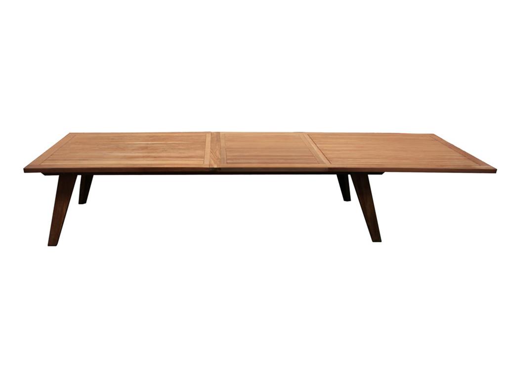 Стол обеденный AdigeОбеденные столы<br>Удобный раздвижной стол из массива тика. За ним вы всегда можете собрать большую компанию. Места хватит для всех. Ширина в стандартном состоянии - 240 см, а в разложенном - 300 см.<br><br>Material: Дерево<br>Ширина см: 240<br>Высота см: 77<br>Глубина см: 100