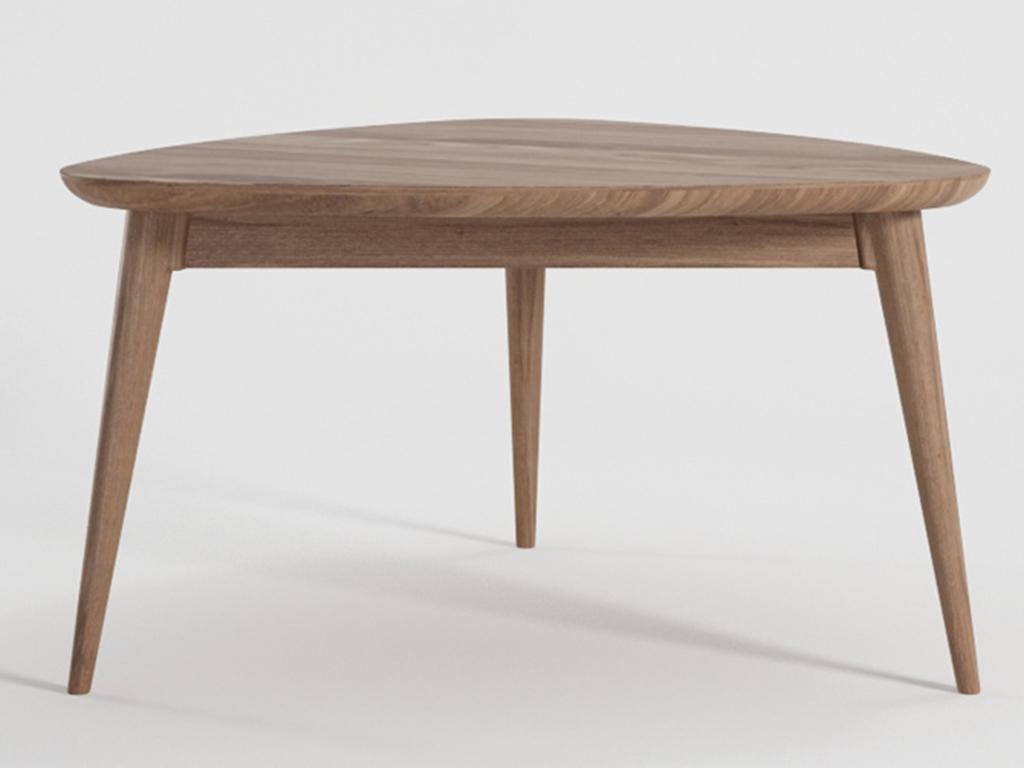 Стол VintageЖурнальные столики<br>Треугольный кофейный стол из массива тика коллекции Vintage.<br><br>Material: Тик