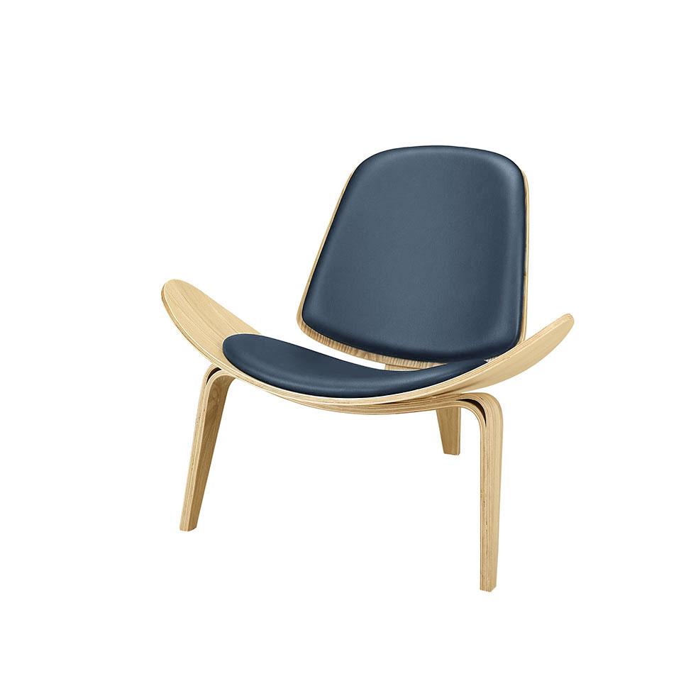 Стул ШеллПолукресла<br>ROOMERS – это особенная коллекция, воплощение всего самого лучшего, модного и новаторского в мире дизайнерской мебели, предметов декора и стильных аксессуаров.<br>Интерьерные решения от ROOMERS – всегда актуальны, более того, они - на острие моды. Коллекции ROOMERS тщательно отбираются и обновляются дважды в год специально для вас.<br><br>Material: Кожа<br>Width см: 74<br>Depth см: 87<br>Height см: 76