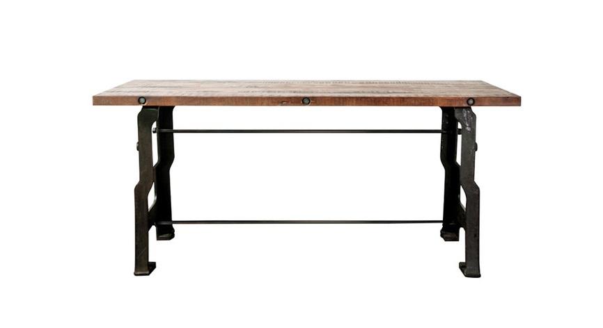 Стол Owen deskОбеденные столы<br>Обеденный стол с нестандартным исполнением ножек порадует поклонников атмосферной мебели. В отделке &amp;quot;Owen desk&amp;quot; отчетливо прослеживается станочный характер. Ножки словно отлиты из чугуна, дополнены мужественными крепежами, в столешницу вмонтированы болты. Все эти тяжелые элементы превратят винтажный стол в редчайший экземпляр кухни.<br><br>Material: Дерево<br>Ширина см: 56<br>Высота см: 75